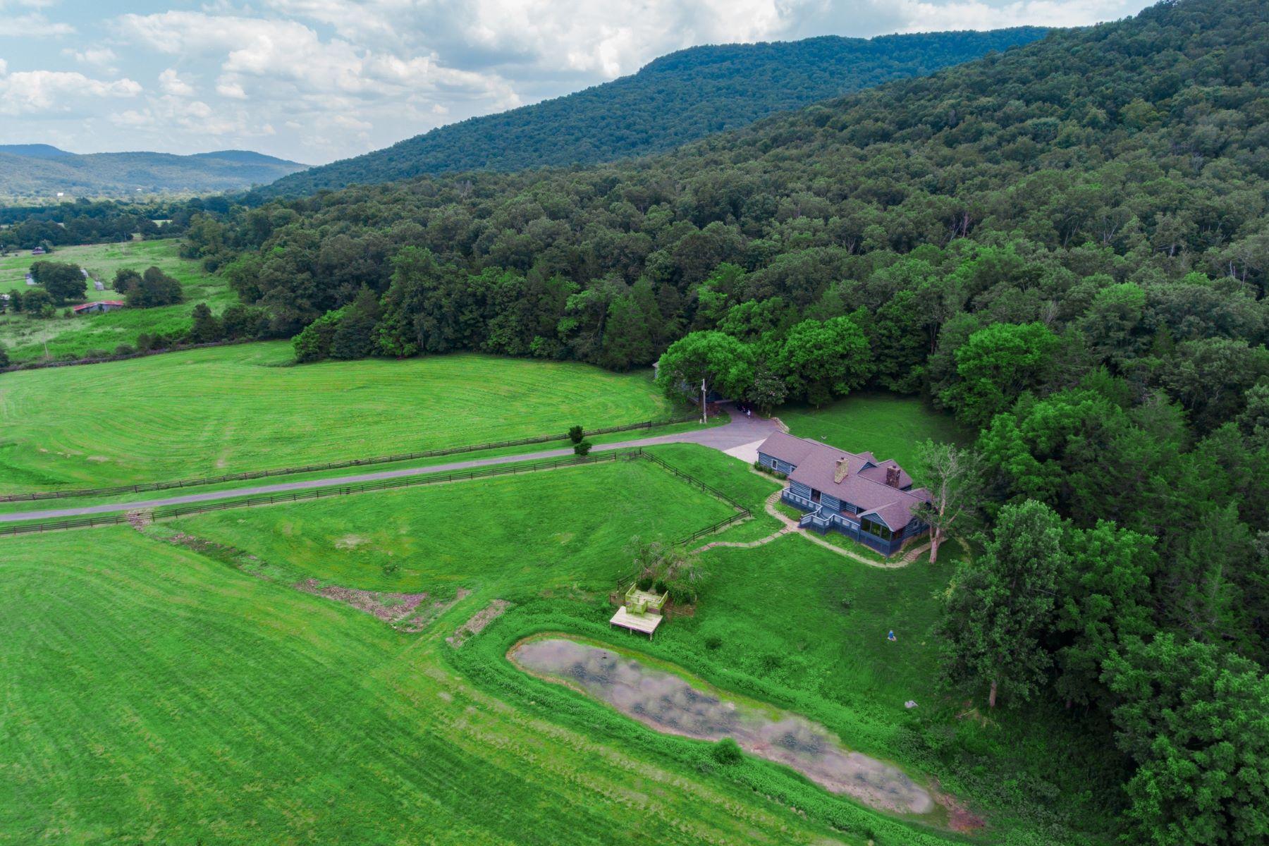Granjas / Hacienda / Platanción por un Venta en 518 County Road 564 Stevenson, Alabama 35772 Estados Unidos