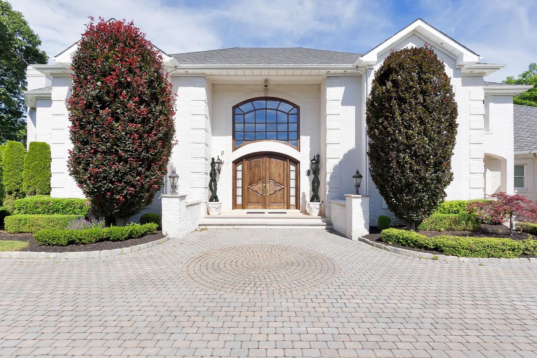 Additional photo for property listing at Sophisticated Elegance 3 Bucks Mill Lane, 霍木德尔镇, 新泽西州 07733 美国