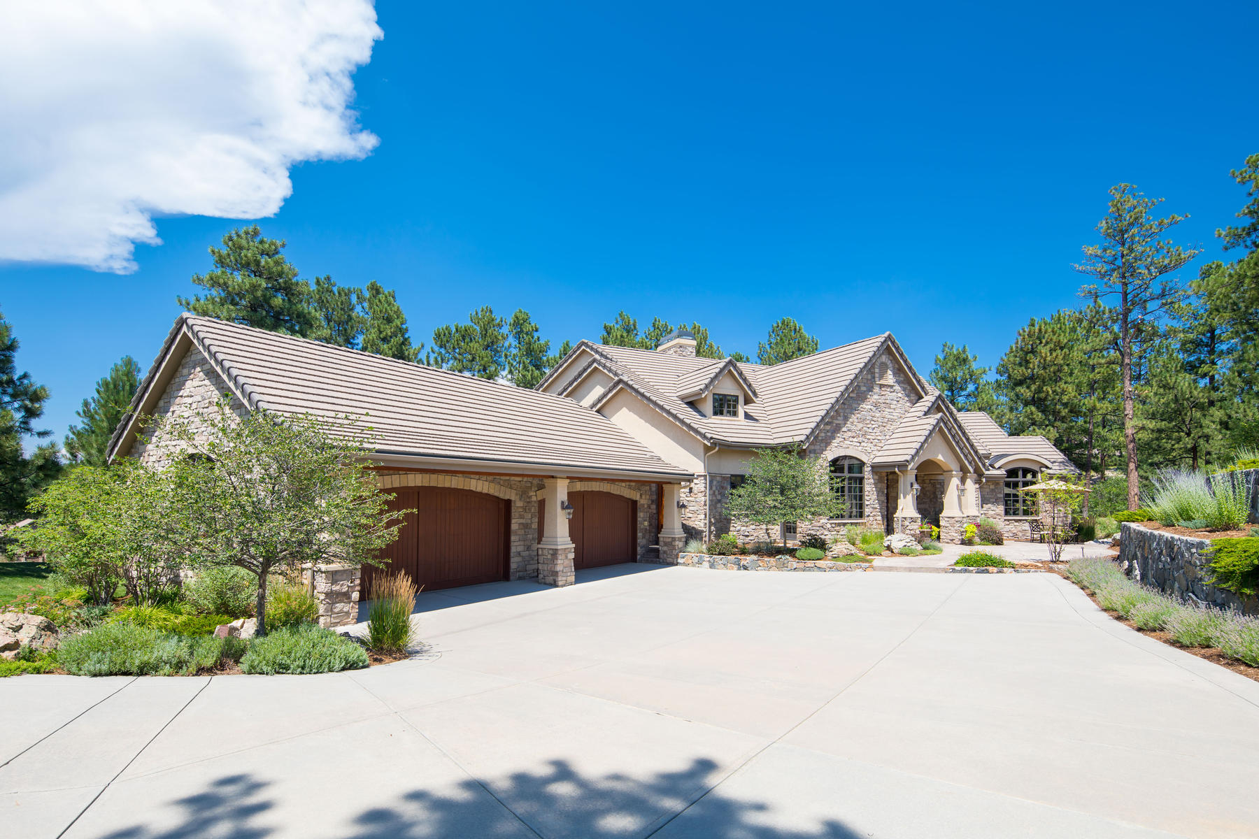 Single Family Home for Active at 663 Yankakee Dr 663 Yankakee Dr Castle Rock, Colorado 80108 United States