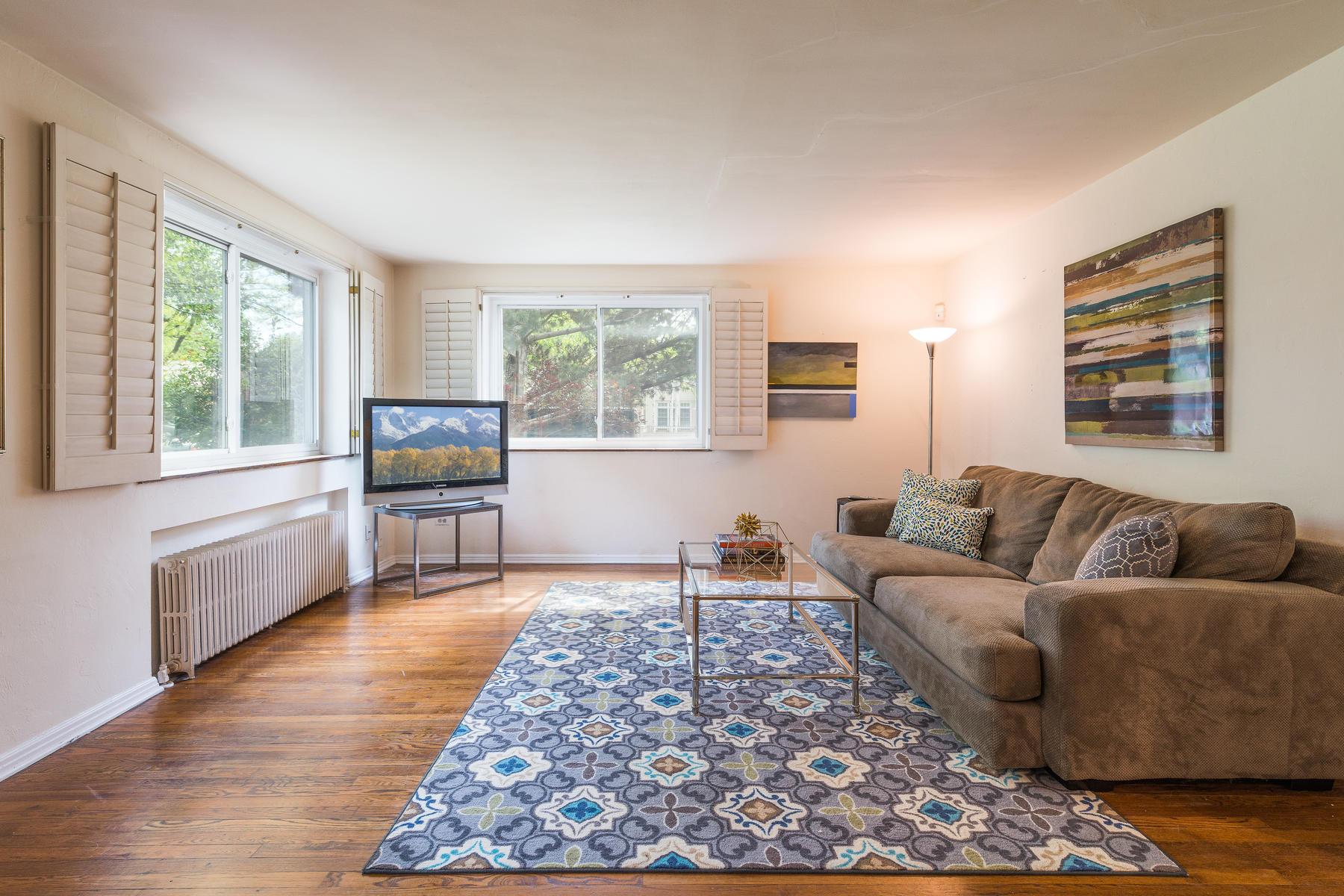 Condominium for Active at Fantastic Condo in Sought After Cherry Creek North 525 Jackson Street #109 Denver, Colorado 80206 United States