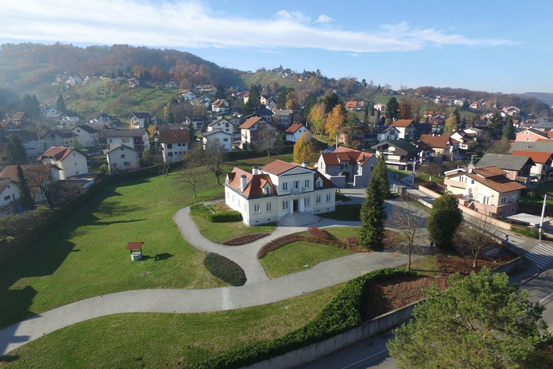 独户住宅 为 销售 在 Villa Atrium Josipa Jelačića 115, Other Zagreb, Zagreb, 10430 Croatia