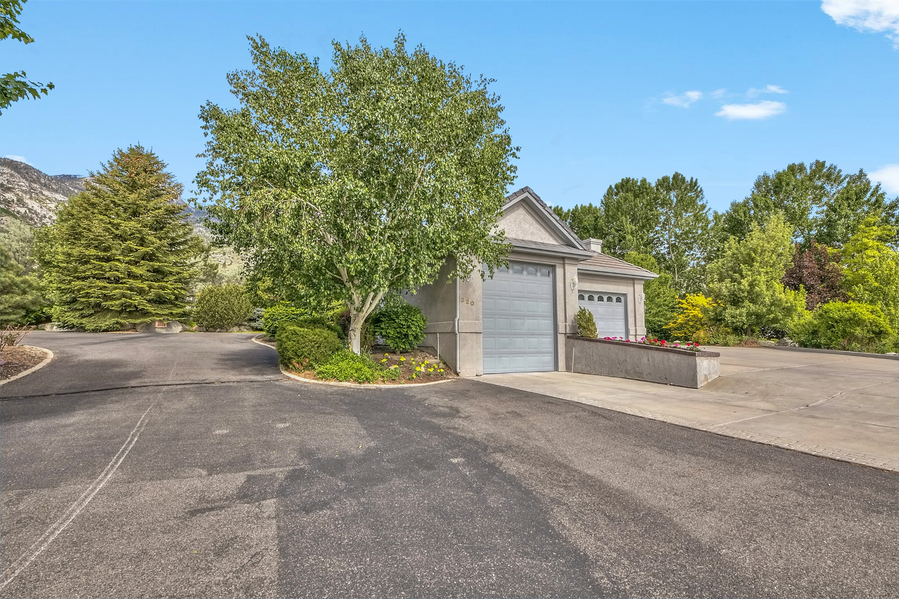 Additional photo for property listing at 220 Goa Way, Gardnerville, Nevada 220 Goa Way Gardnerville, Nevada 89460 United States