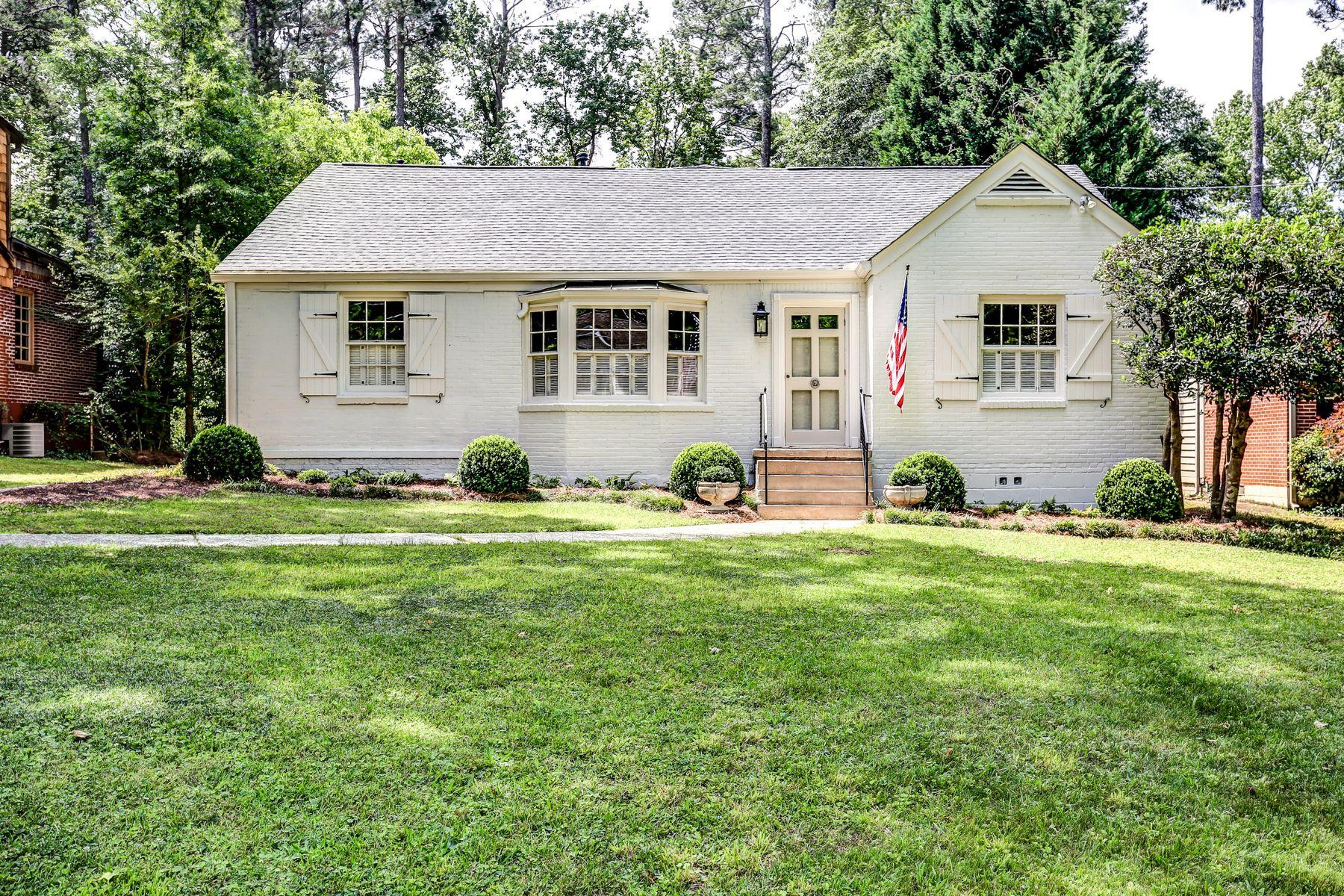 Casa para uma família para Venda às Designer's Personal Home in an Outstanding Glenwood Estates Location 248 Mout Vernon Drive Decatur, Geórgia, 30030 Estados Unidos