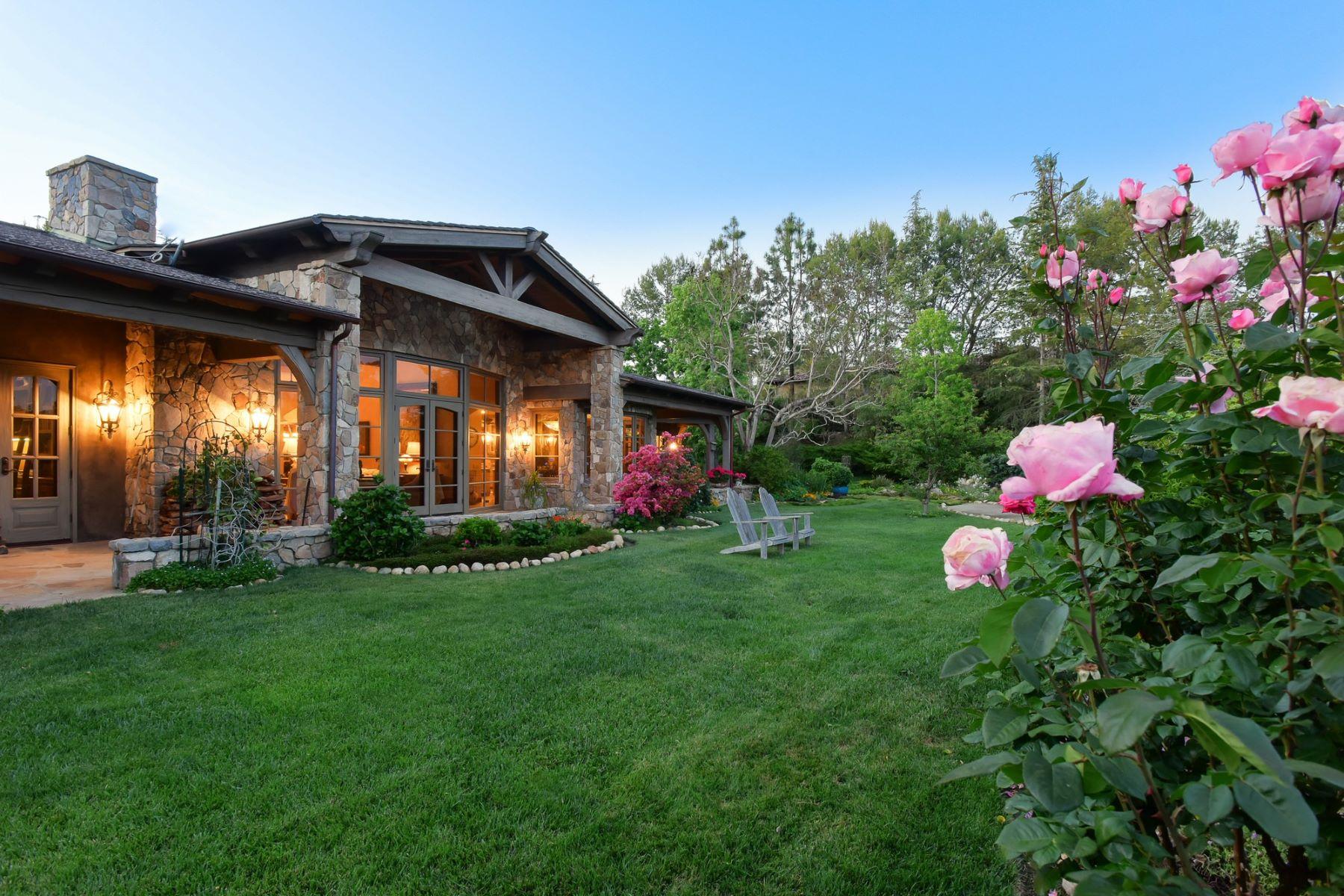 Single Family Homes for Sale at 17233 Via Recanto Rancho Santa Fe, California 92067 United States