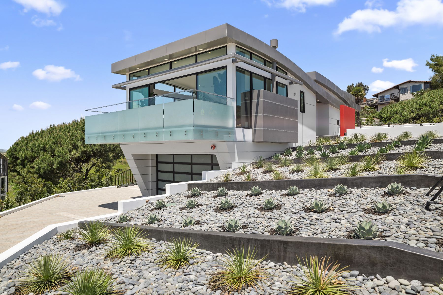 Single Family Homes for Sale at 2570 Park Ave Ave Laguna Beach, California 92651 United States