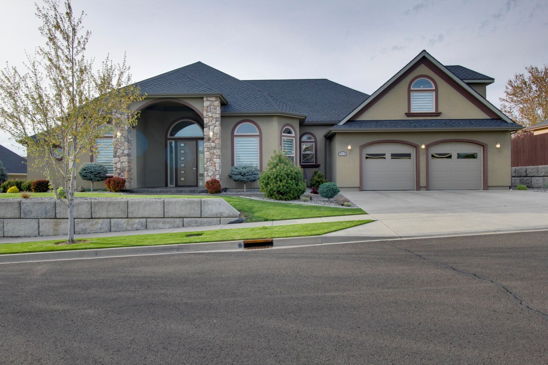 Single Family Homes for Sale at 278 Coyote Ridge Rd Walla Walla, Washington 99362 United States