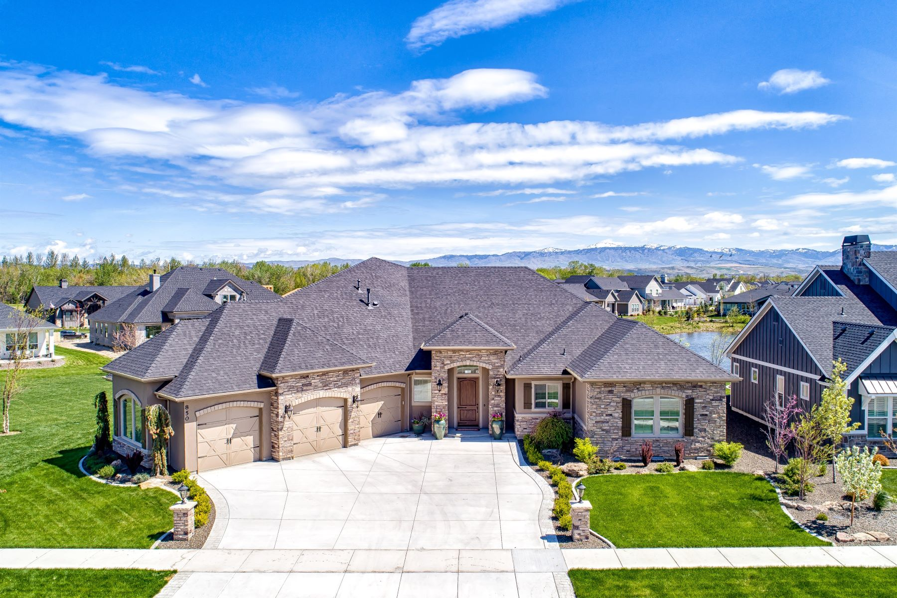 Single Family Home for Active at 850 Heron Pointe, Eagle 850 S Heron Pointe Eagle, Idaho 83616 United States