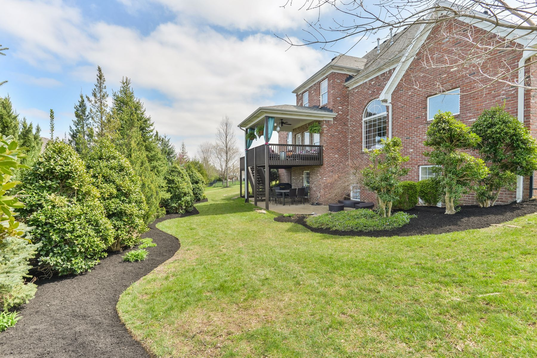 Additional photo for property listing at 2900 Circle Crest Court  Prospect, Kentucky 40059 United States