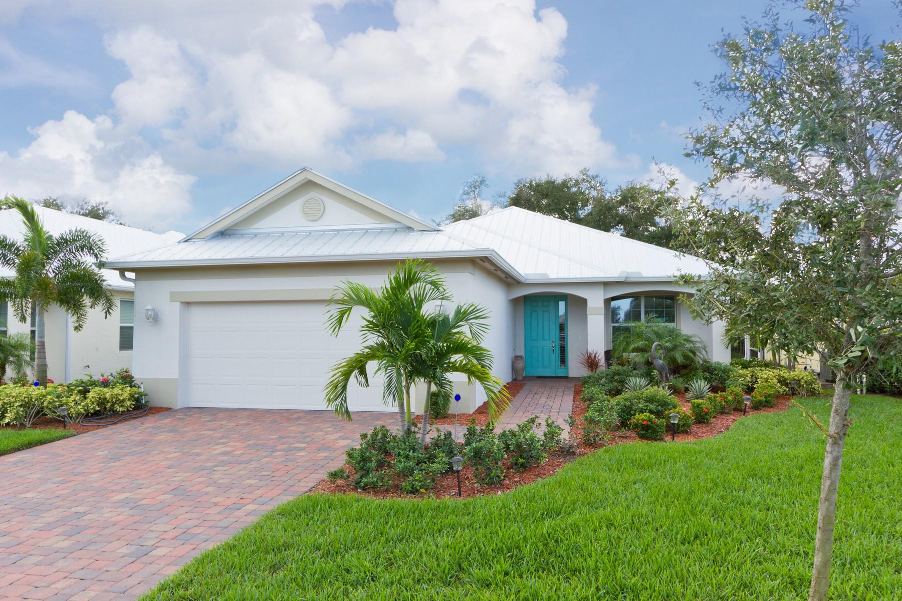 Property 为 销售 在 Immaculate Two Bedroom Plus Den Bimini Model 443 11th Square SW 维罗海滩, 佛罗里达州 32962 美国