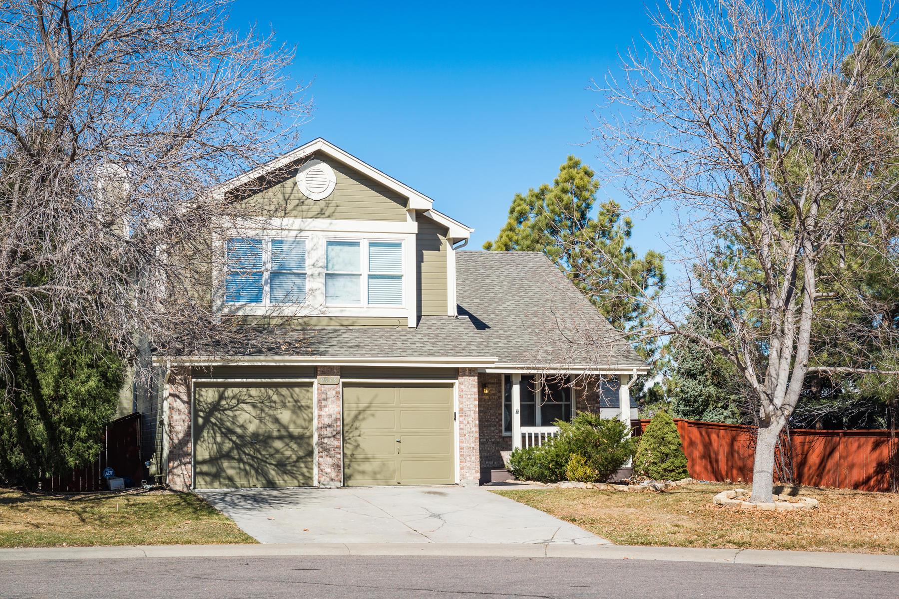 Einfamilienhaus für Verkauf beim Terrific Home With Great Mountain Views And Large Yard 9515 Sherrelwood Lane, Highlands Ranch, Colorado, 80126 Vereinigte Staaten