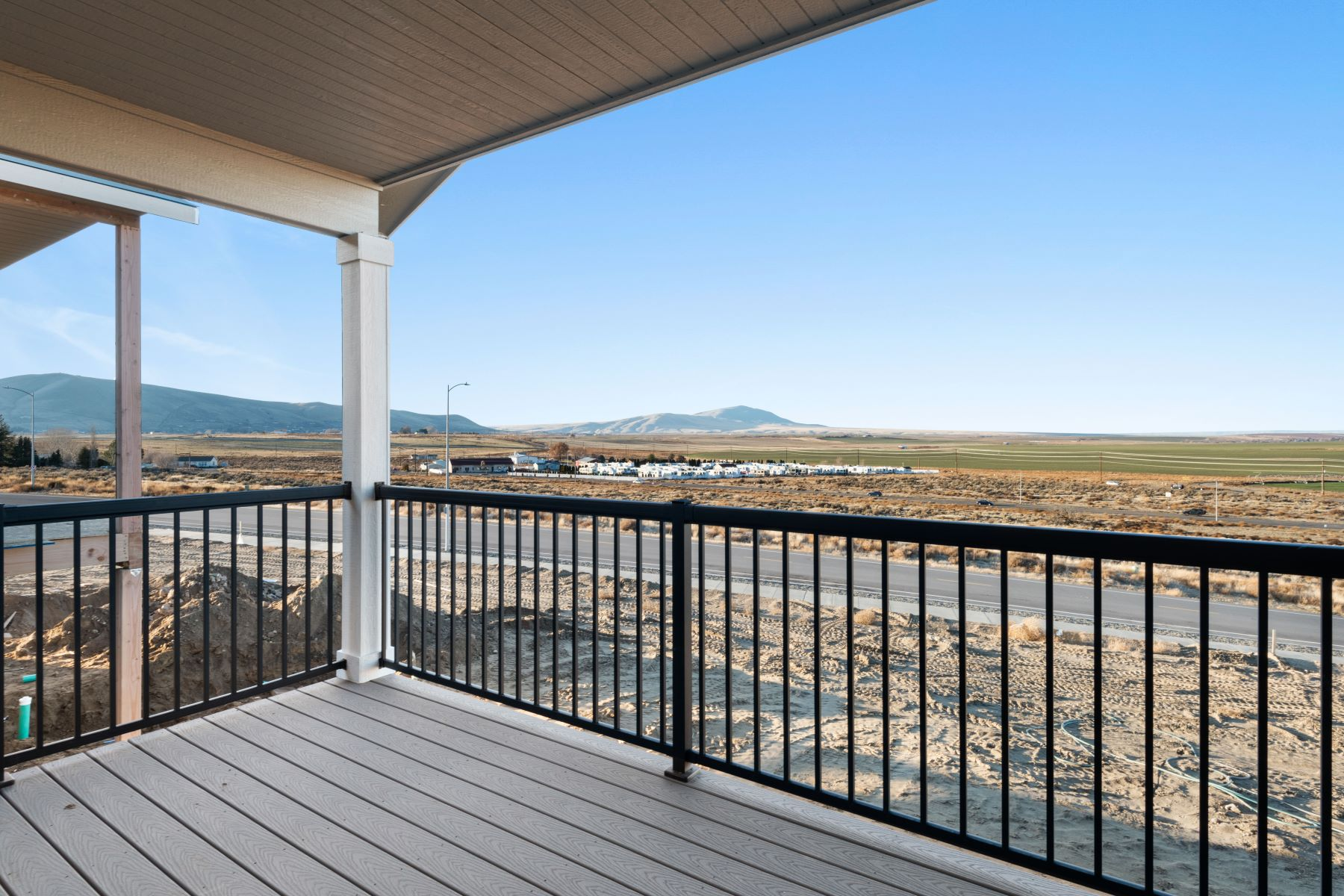 Single Family Homes for Sale at NEW TOWNHOUSE COMMUNITY WITH VIEWS! 455 BEDROCK LOOP West Richland, Washington 99353 United States