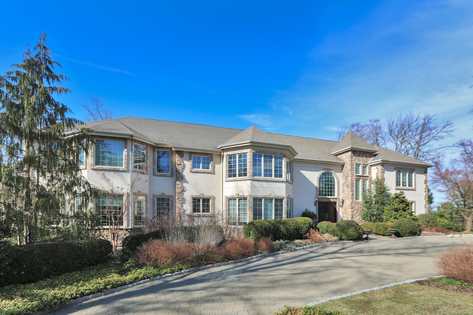 Single Family Homes por un Venta en Beautiful Oasis on Private Cul-de-Sac 554 Hampton Hill Road Franklin Lakes, Nueva Jersey 07417 Estados Unidos
