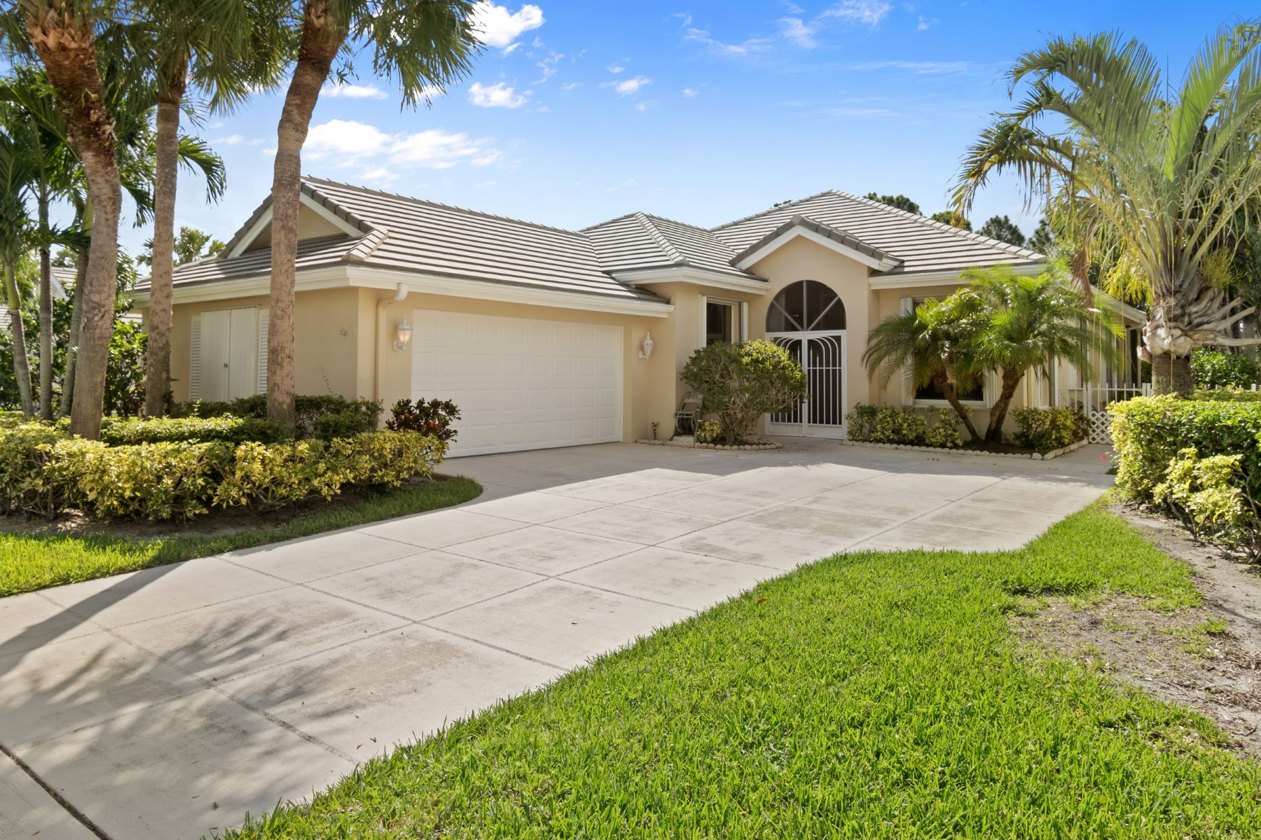 Vivienda unifamiliar por un Venta en 4970 SE Heartleaf Terrace Hobe Sound, Florida, 33455 Estados Unidos
