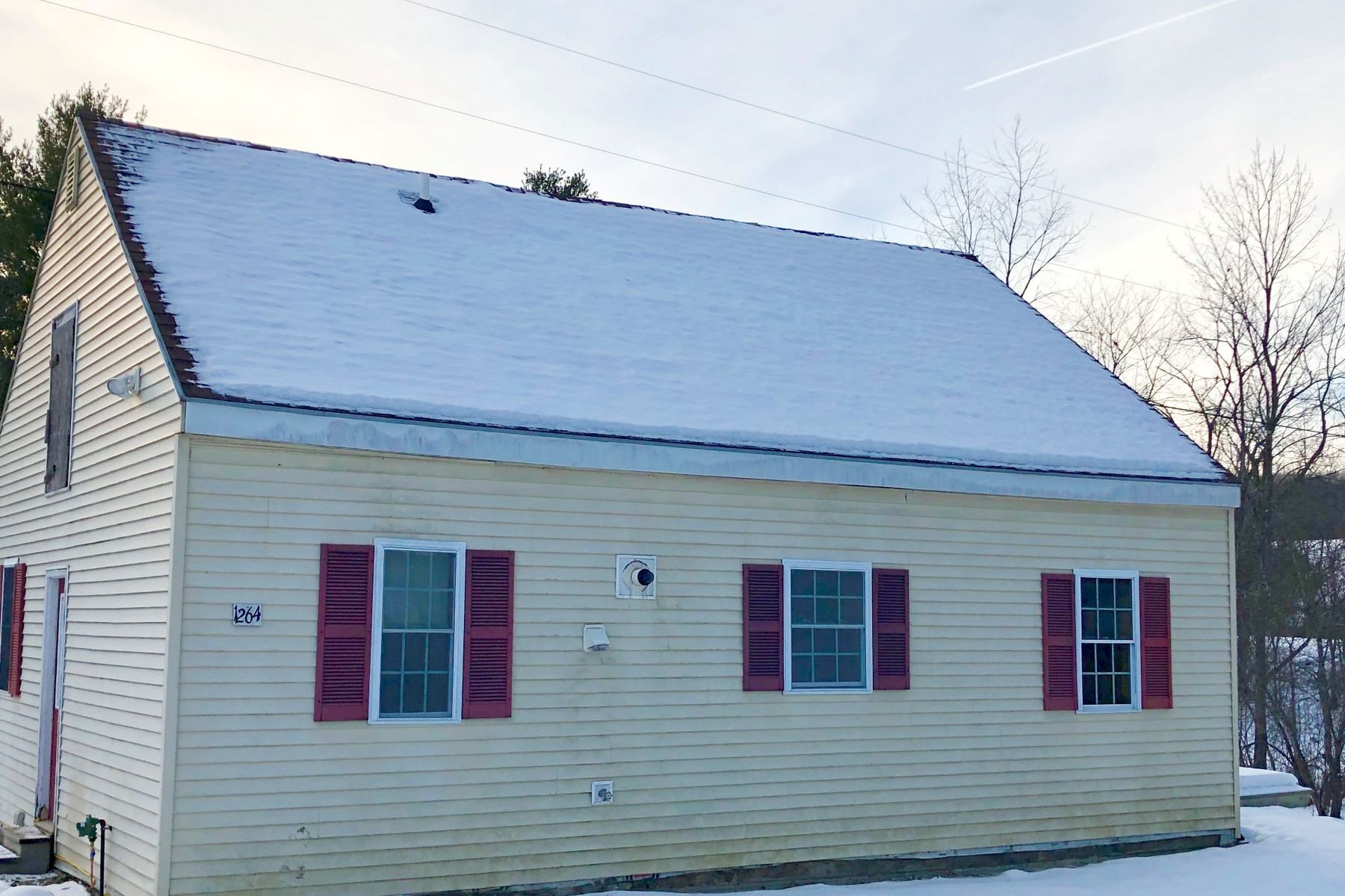 Single Family Home for Sale at One Bedroom Cape in Haverhill 1264 Court St Haverhill, New Hampshire 03765 United States