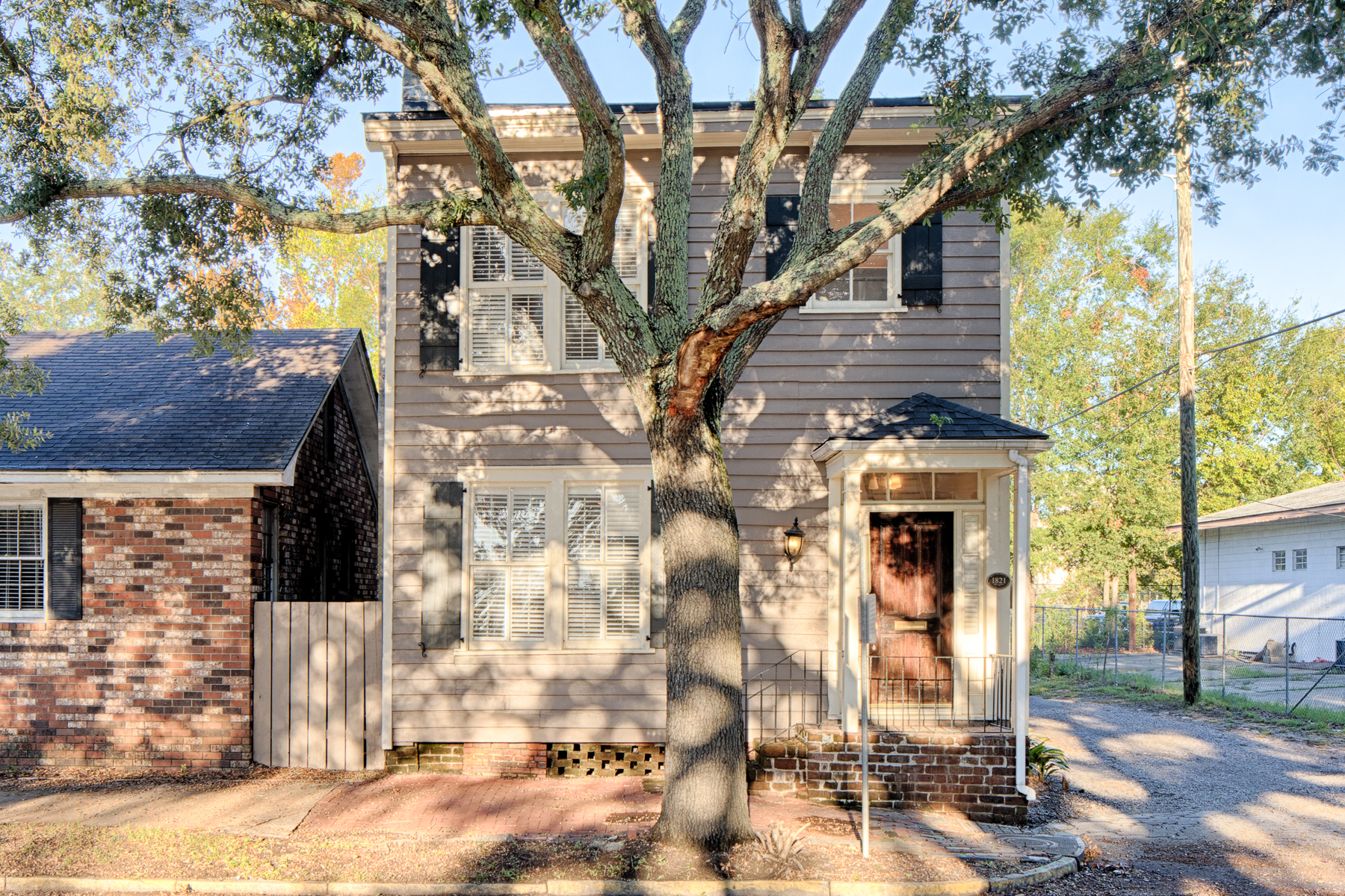 Single Family Home for Sale at 111 East Broad Street Historic District, Savannah, Georgia, 31401 United States