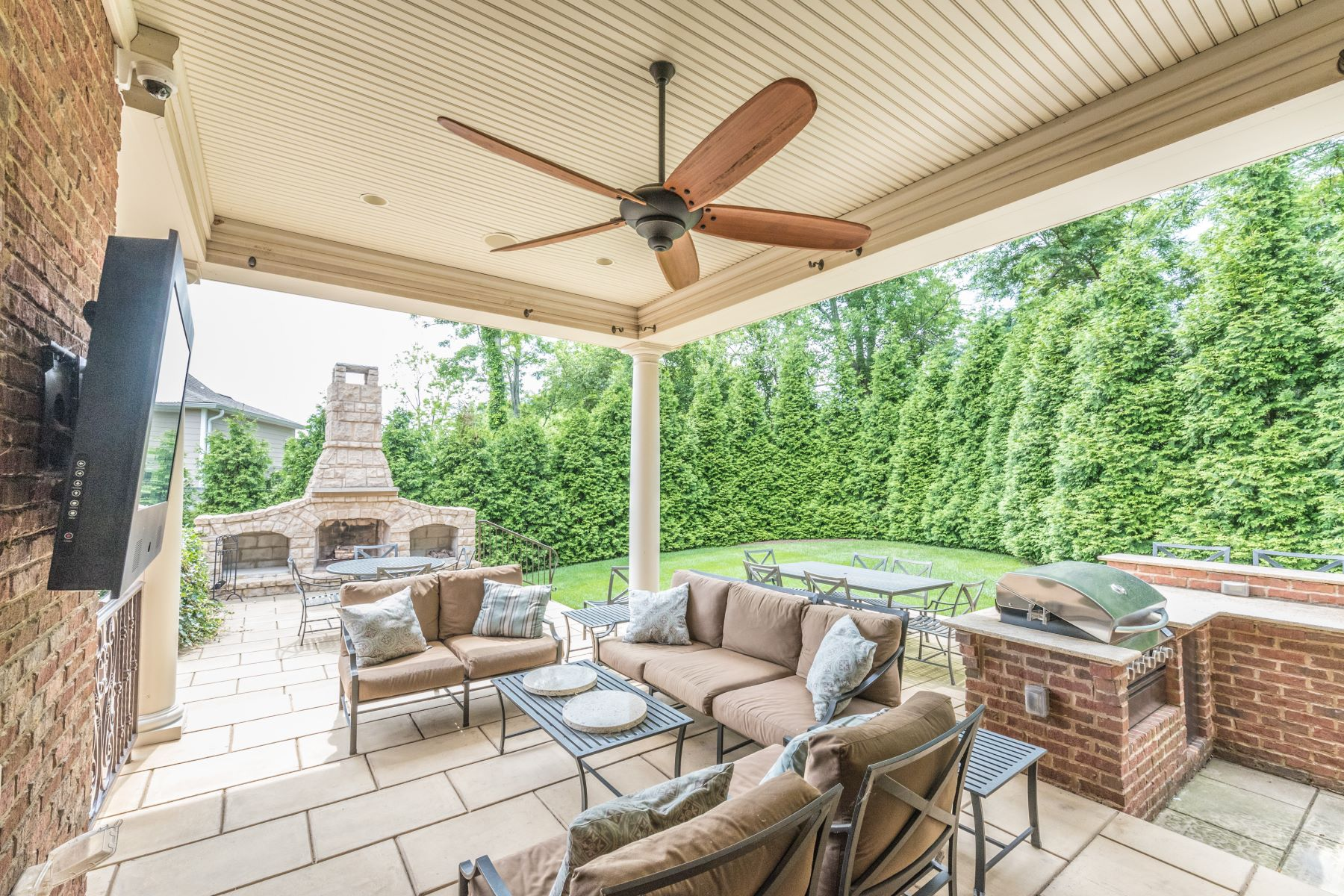 Additional photo for property listing at 7527 Beechspring Farm Boulevard  Louisville, Kentucky 40241 United States