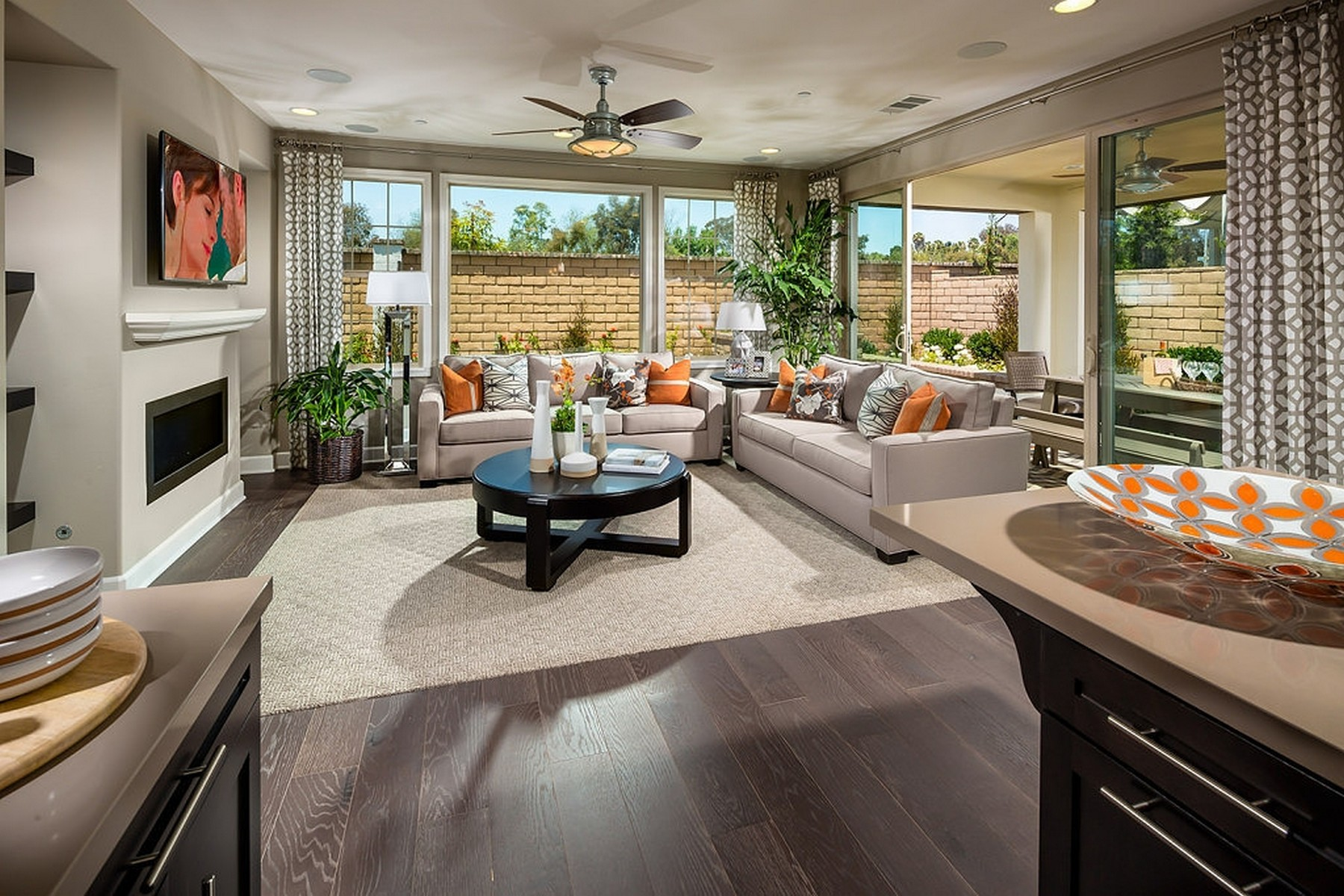Casa para uma família para Venda às Casabella Collection 13586 Bolero Way Carmel Valley, San Diego, Califórnia, 92130 Estados Unidos