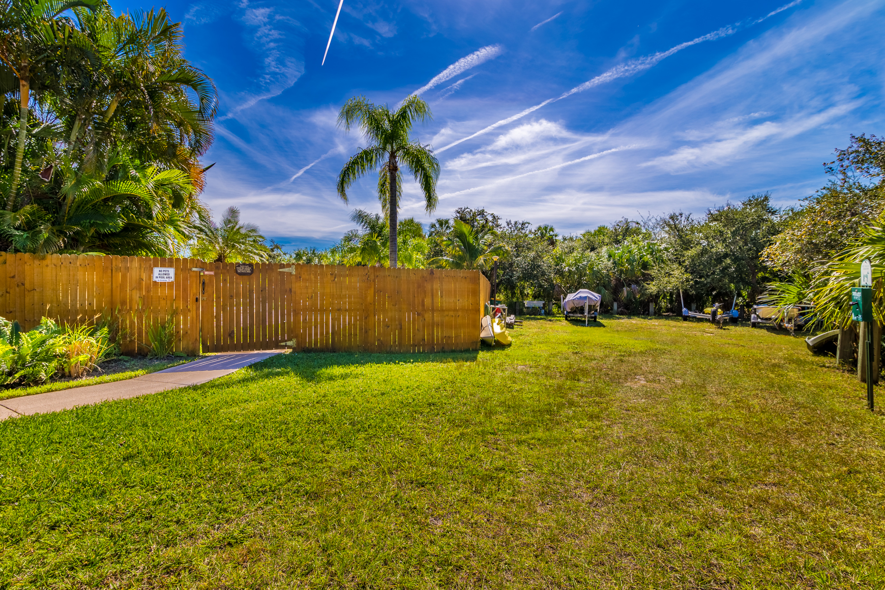 Additional photo for property listing at Tropical Paradise in Treetop Village 6245 Treetop Drive Melbourne Beach, Florida 32951 United States