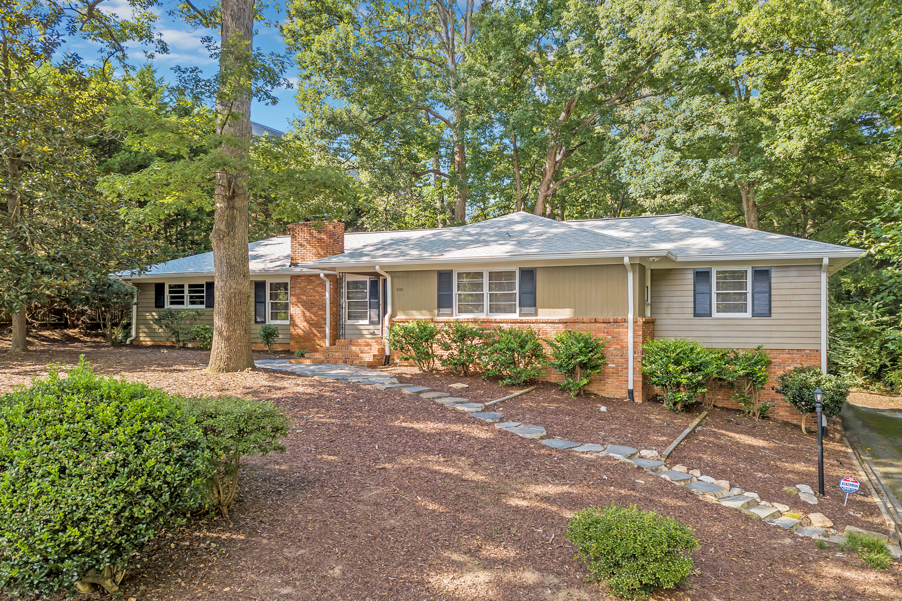 Single Family Home for Sale at Nice Updated Ranch In Pine Hills 930 Ferncliff Rd Atlanta, Georgia 30324 United States