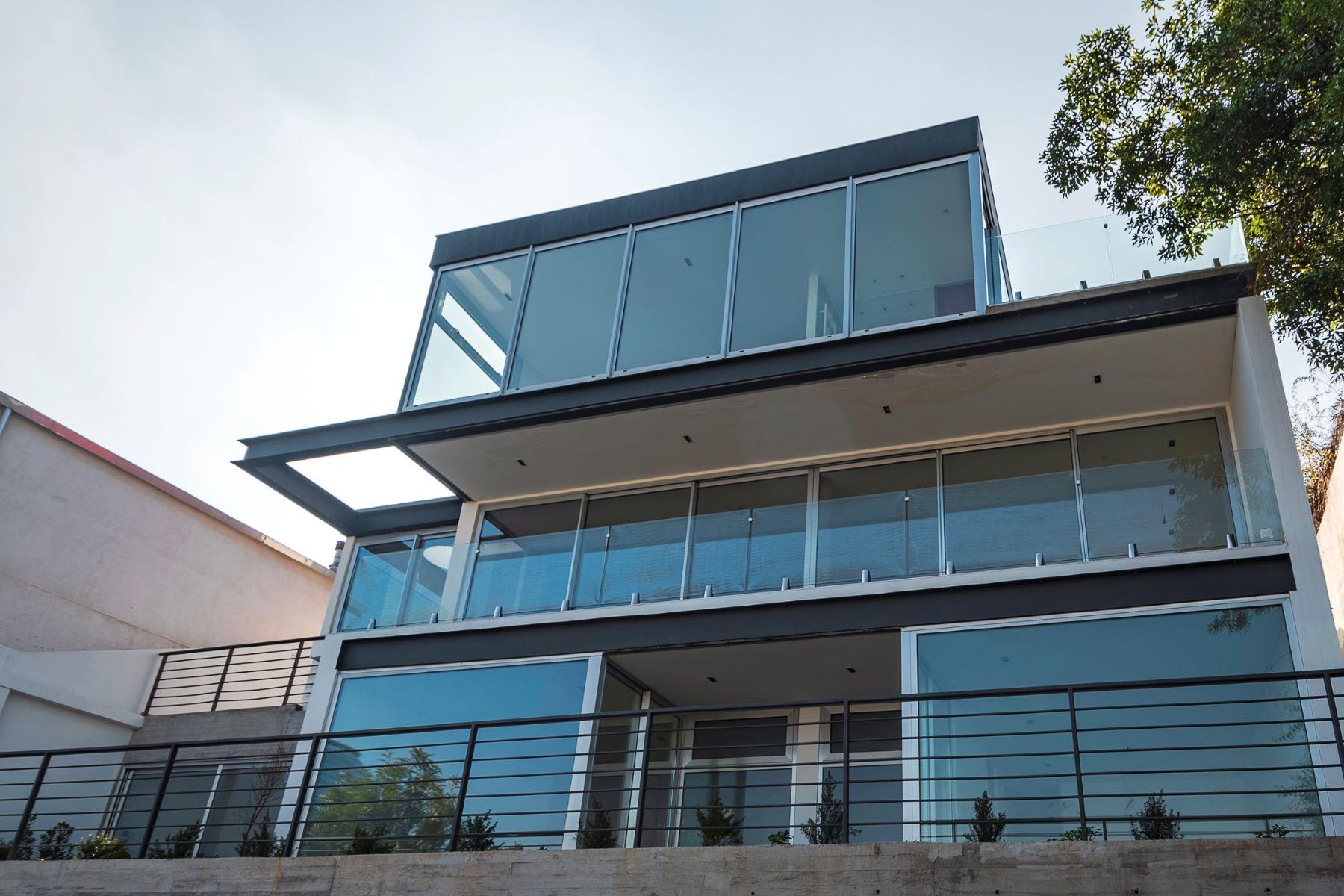 Single Family Homes للـ Sale في Views and Contemporary Confort Santiago, Region Metropolitana De Santiago Chile