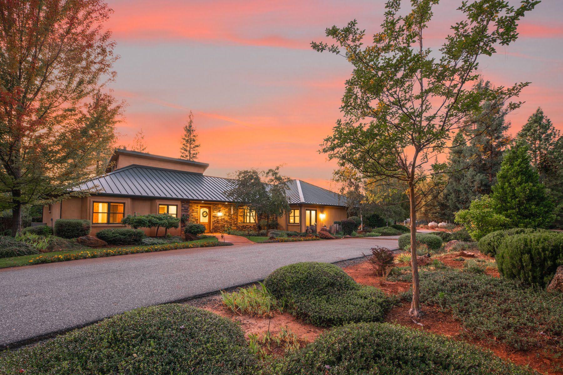 Single Family Homes por un Venta en Rollins Lake Estates 28555 Rollins Lake Road Colfax, California 95173 Estados Unidos