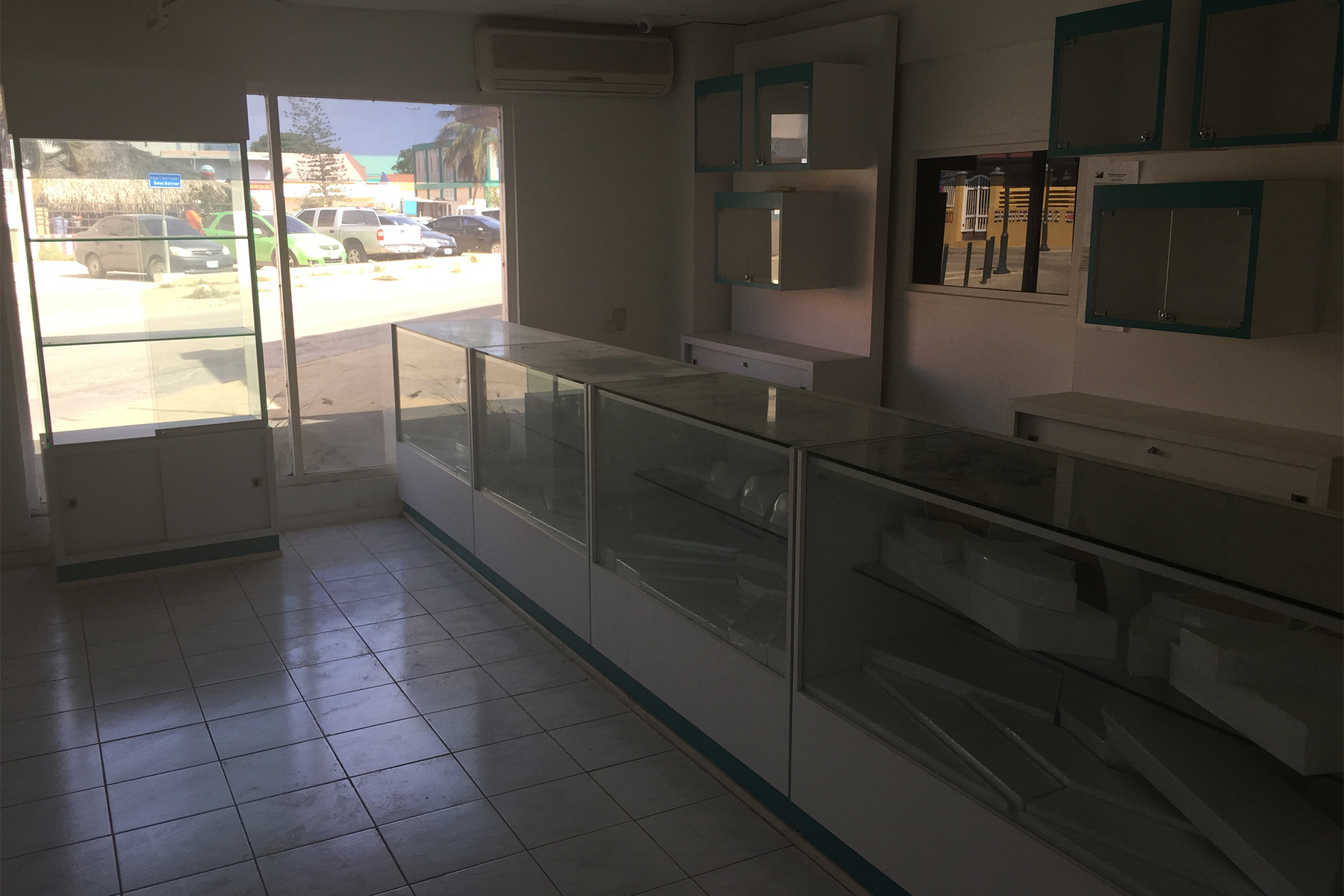 Additional photo for property listing at Plasa Reina Wilhelmina Retail Spaces Kralendijk,  Bonaire