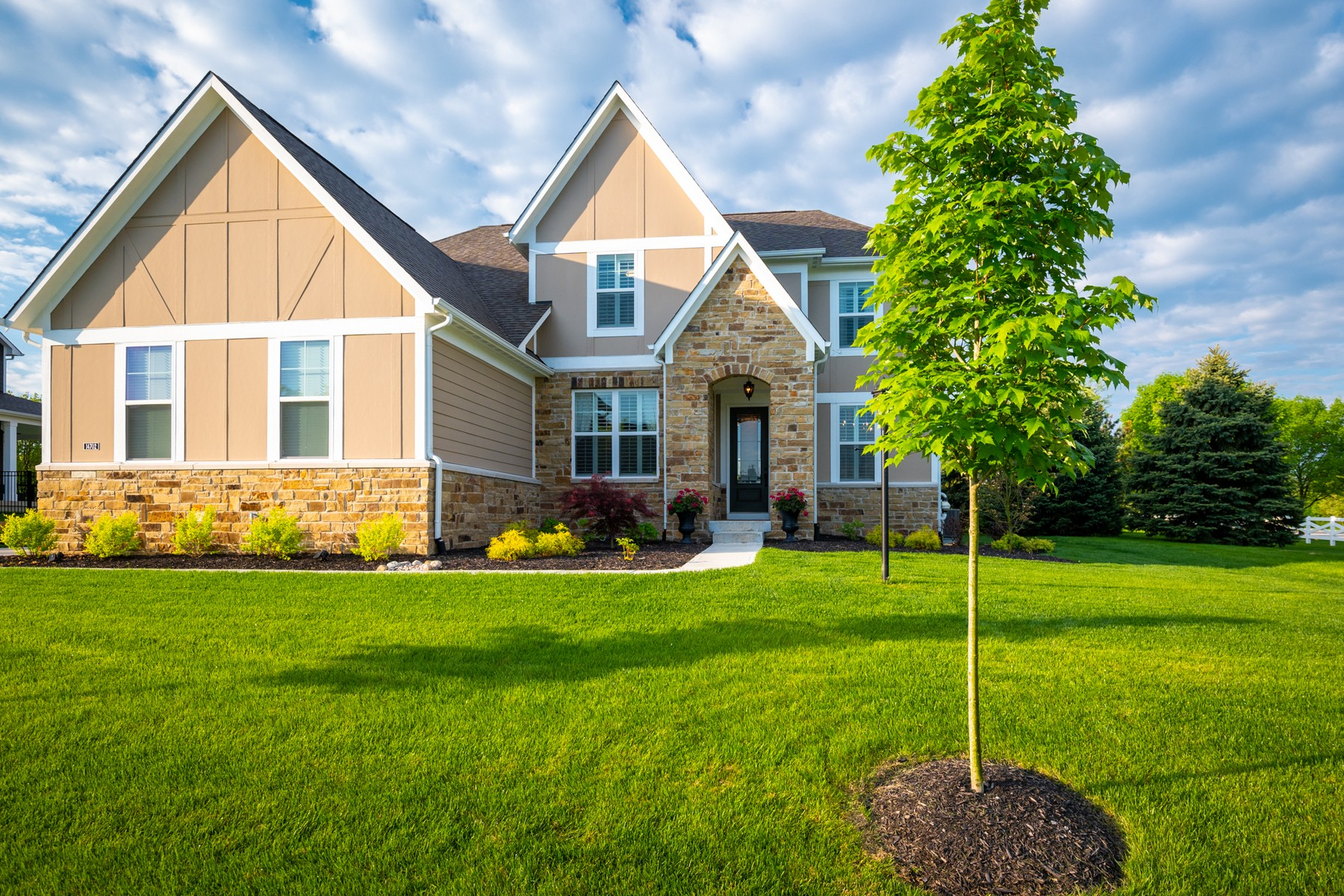 single family homes for Active at An Entertainer's Dream 14702 Macduff Drive Noblesville, Indiana 46062 United States
