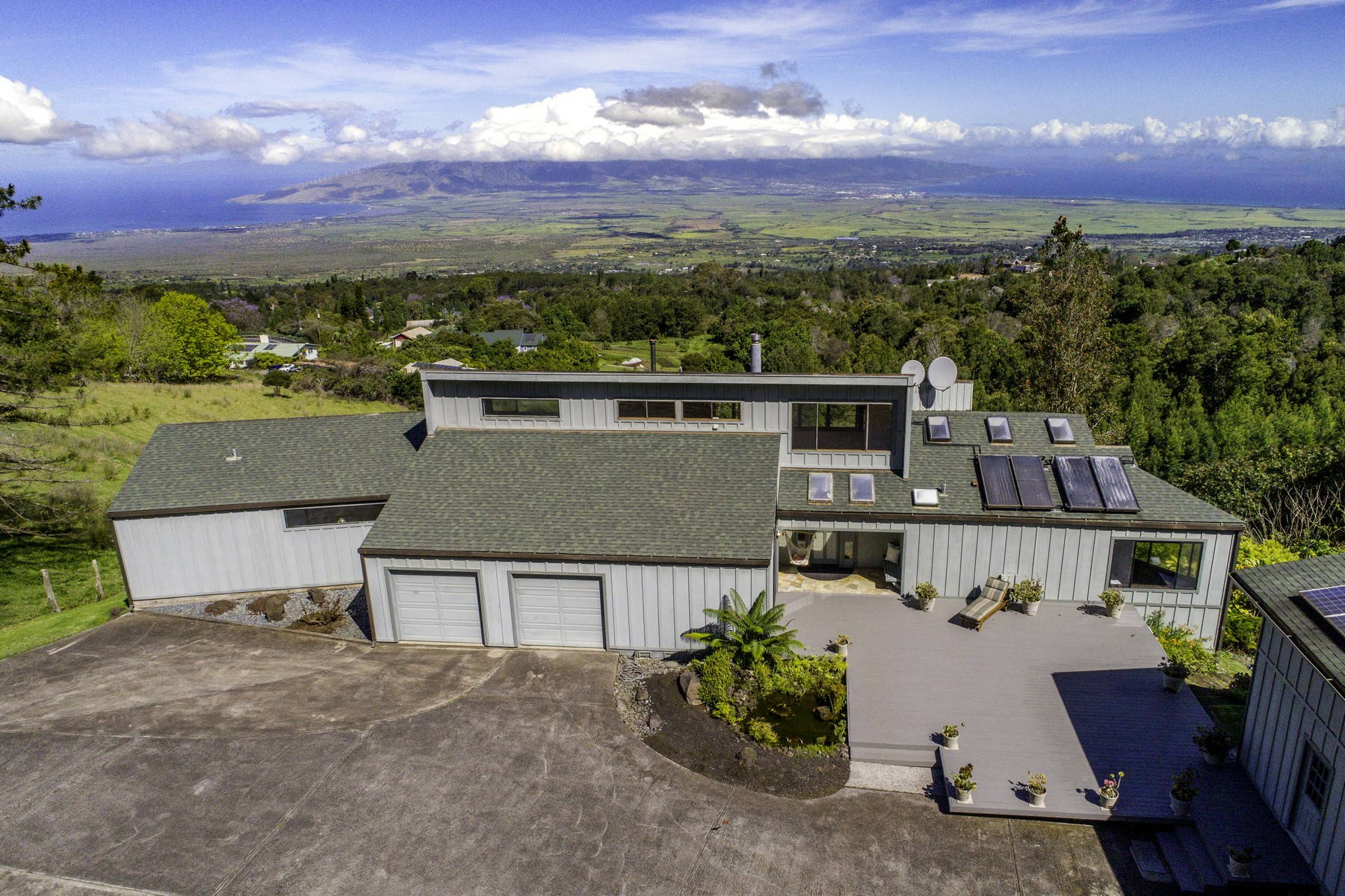 Granjas / Hacienda / Platanción por un Venta en Spectacular View Home on 4+ Acres 17085 Haleakala Highway Kula, Hawaii, 96790 Estados Unidos