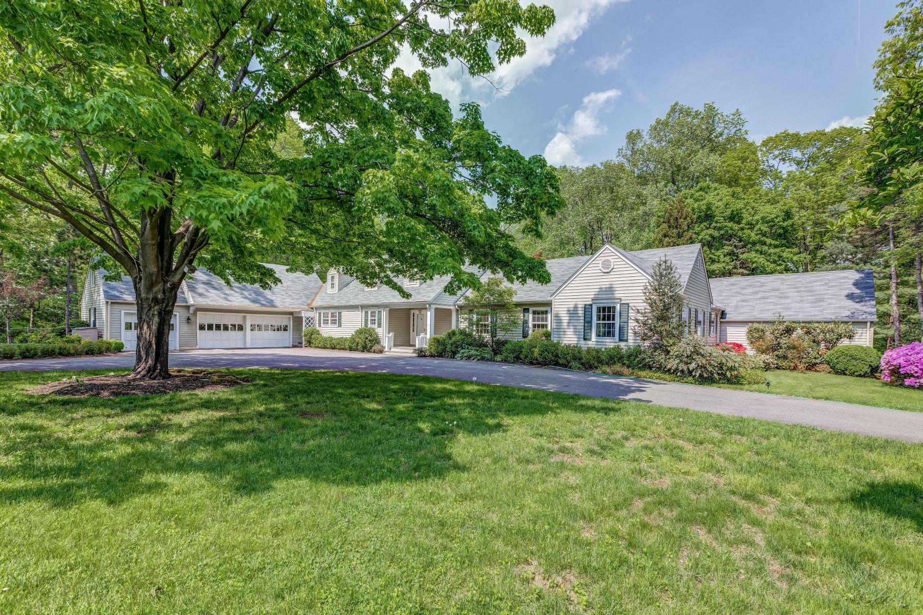 独户住宅 为 销售 在 Meticulous Cape Cod 27A Long Hill Road, 哈丁镇, 新泽西州 07976 美国