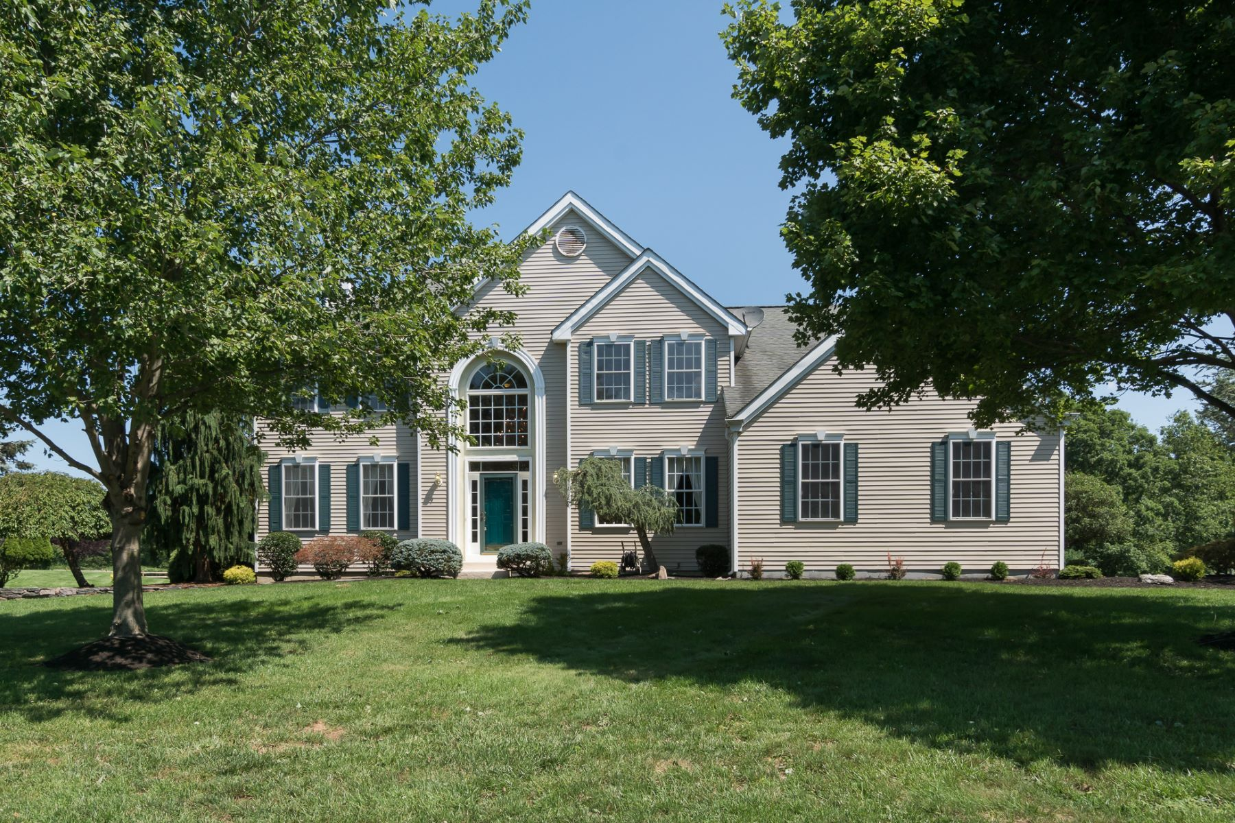 Single Family Homes 용 매매 에 Entertaining-Perfect Flow in Princeton Meadows 12 Walnut Court, Cranbury, 뉴저지 08512 미국