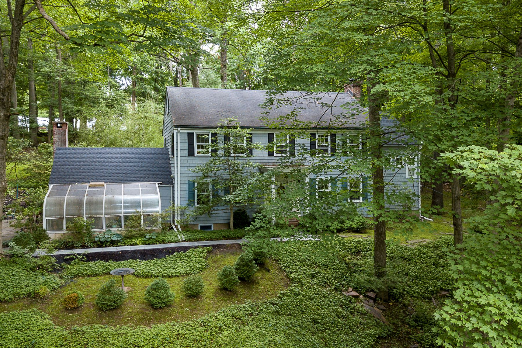 Natural Privacy and the Perfect Vantage Point 133 Lambert Drive, Princeton, New Jersey 08540 Förenta staterna