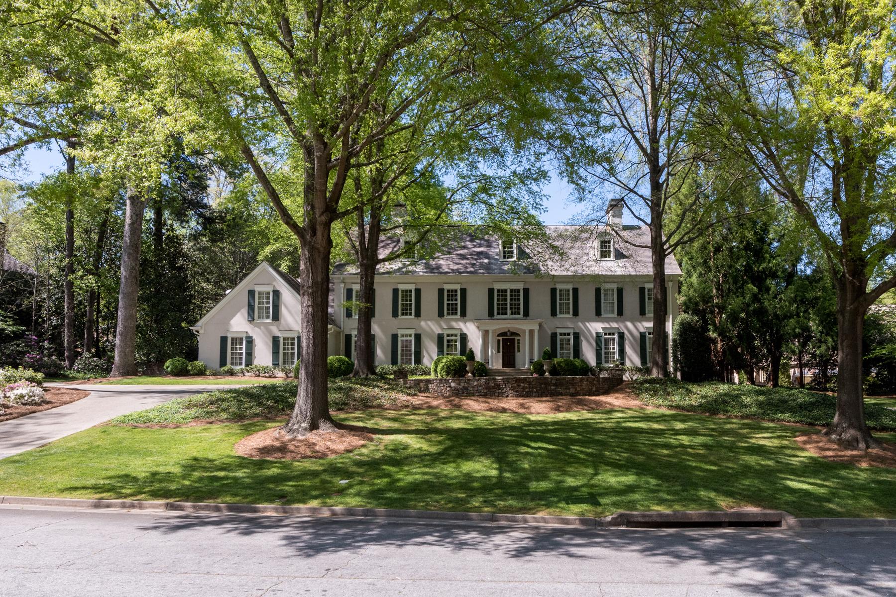 Eensgezinswoning voor Verkoop op Elegant Traditional Home On Quiet Cul-de-sac In Buckhead 734 Conway Glen Drive NW Atlanta, Georgië 30327 Verenigde Staten