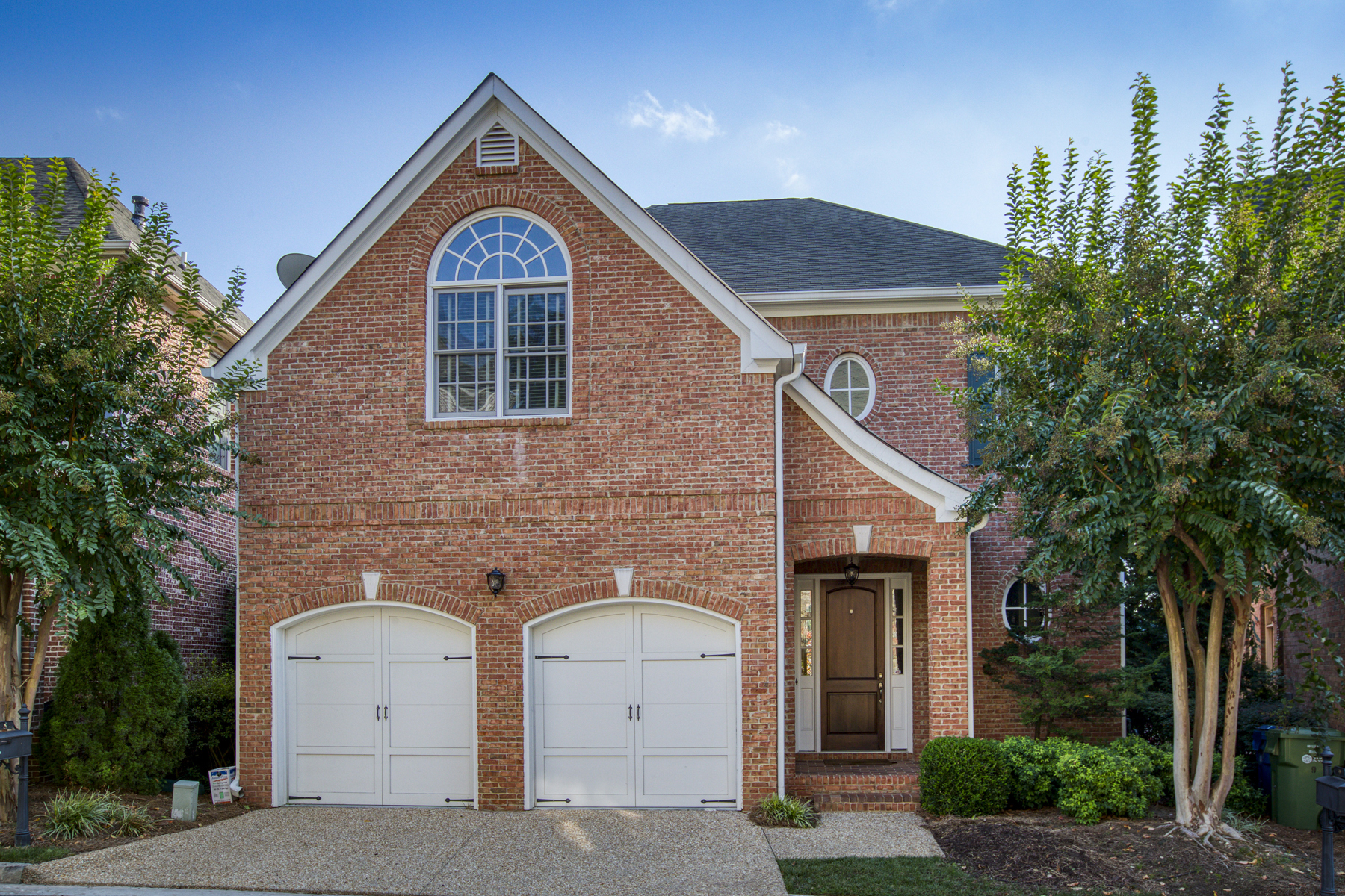 Single Family Homes для того Продажа на Limited Opportunity in Perfect Underwood Hills Location in Gated Community 8 Bohler Point NW, Atlanta, Джорджия 30327 Соединенные Штаты
