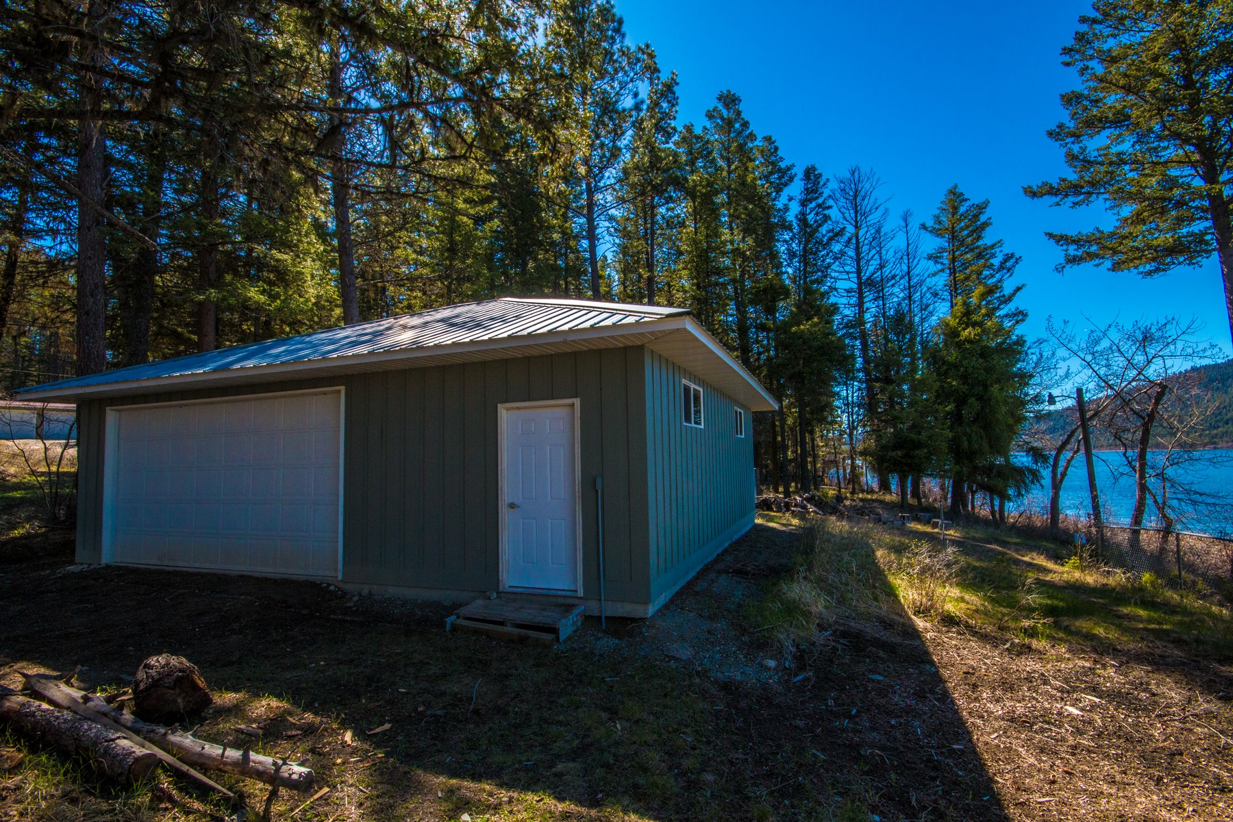 Additional photo for property listing at 19491 Sahinen Ln , Proctor, MT 59929 19491  Sahinen Ln Proctor, Montana 59929 United States