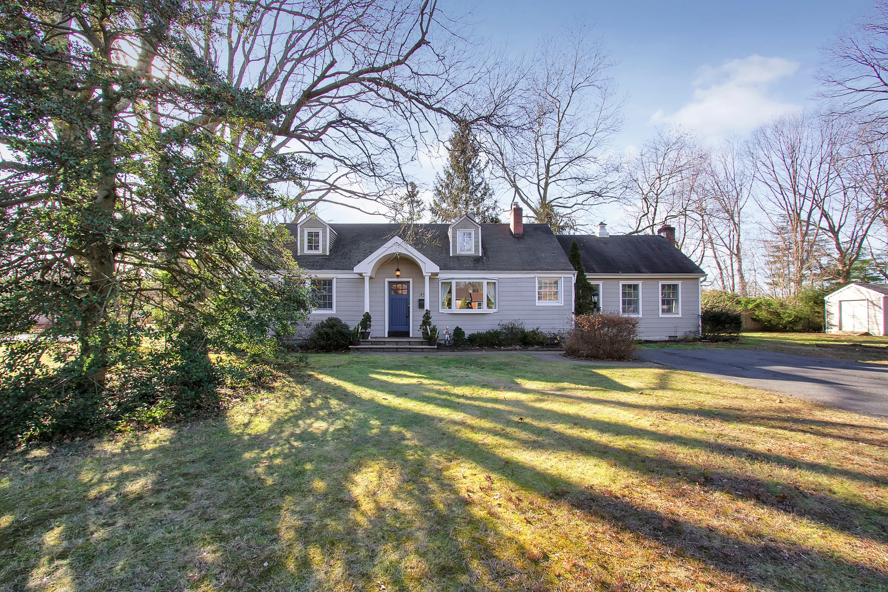 Single Family Home for Sale at 39 Prince Place Little Silver, New Jersey 07739 United States