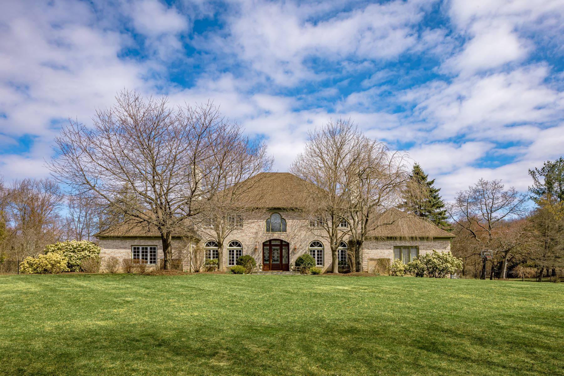 Single Family Homes for Sale at Captivating Georgian Colonial 3 Parkwood Lane Mendham, New Jersey 07945 United States