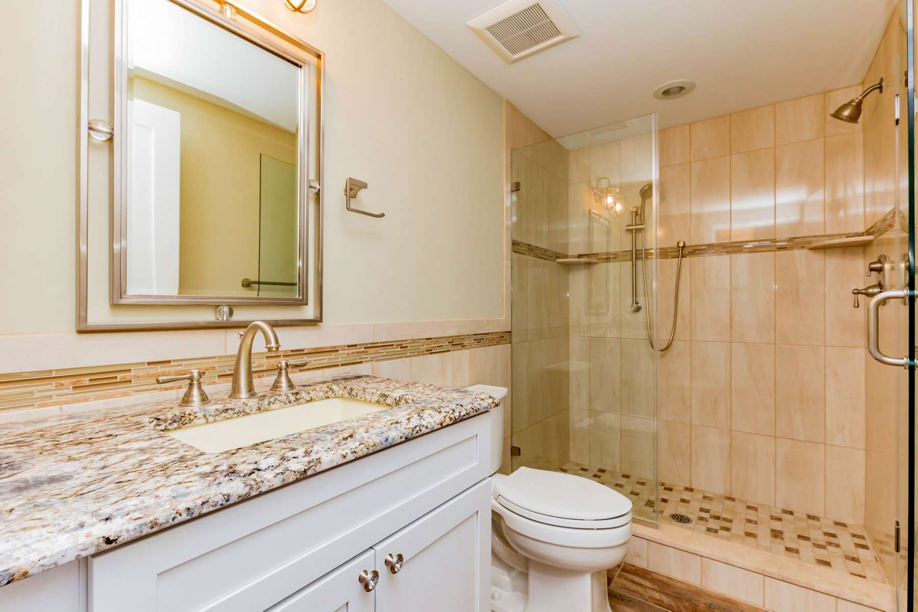 Additional photo for property listing at Tranquil Beachfront Condo 3004 Wesley Avenue Ocean City, New Jersey 08226 United States