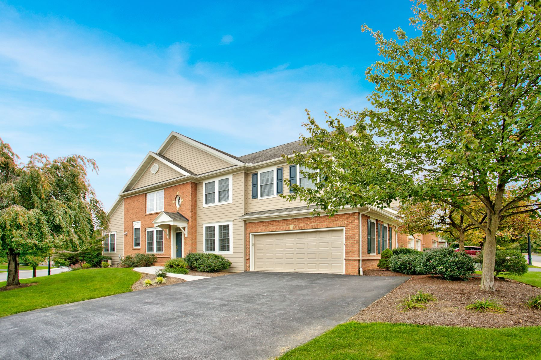 Single Family Home for Sale at 625 Northfield Road 625 Northfield Road Lititz, Pennsylvania 17543 United States
