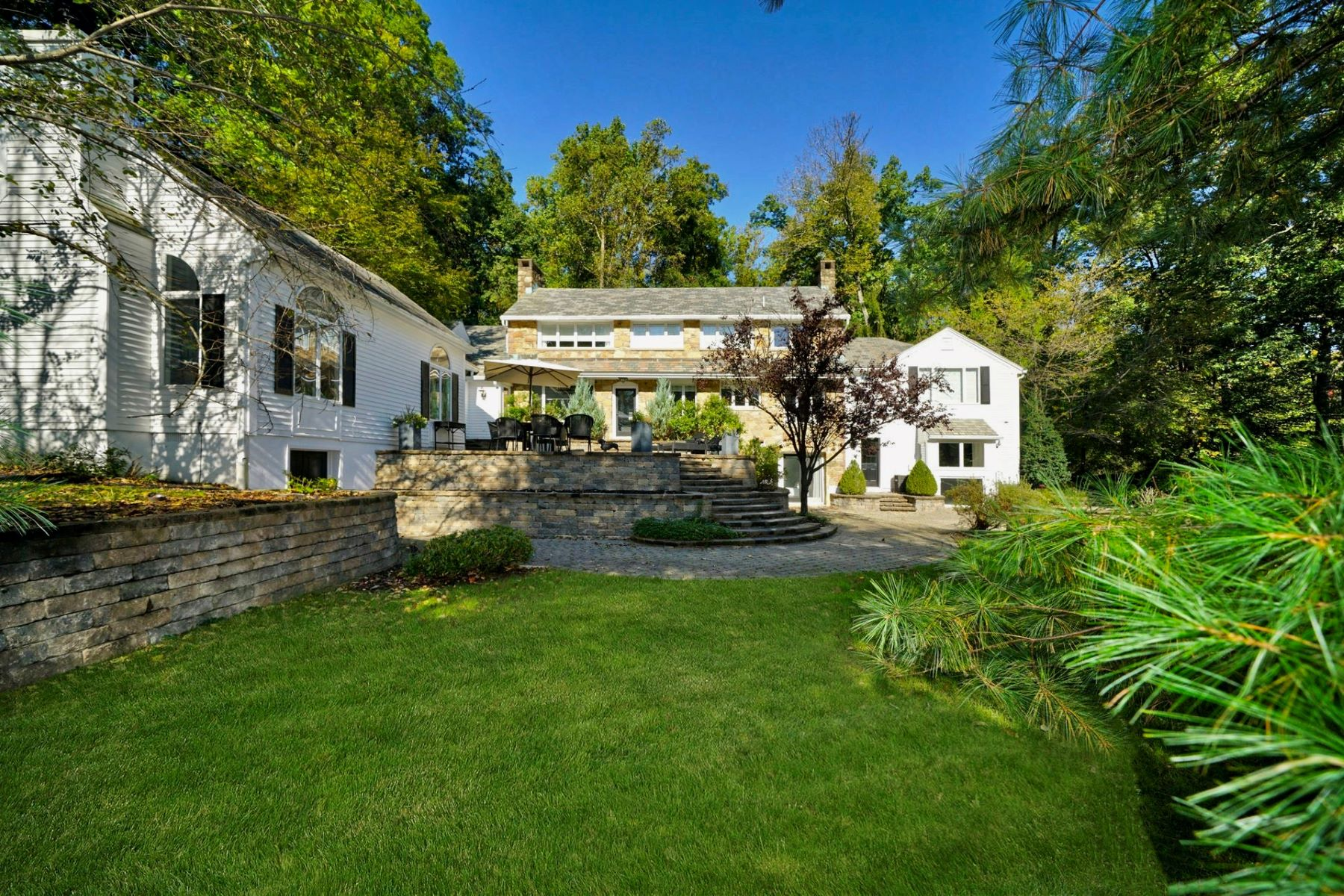 Additional photo for property listing at Extraordinary Custom Home 22 Jonathan Smith Road, Morris Township, New Jersey 07960 États-Unis