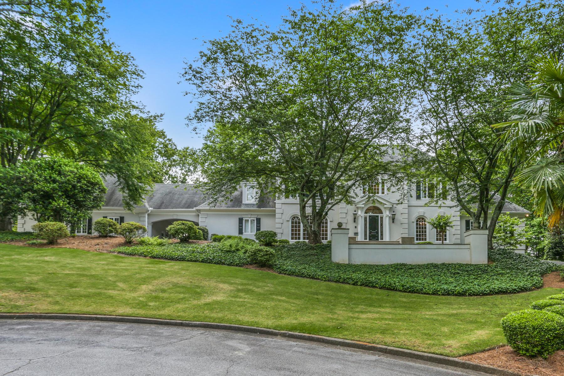 Single Family Homes por un Venta en European Style Elegance on Exclusive Cul-de-sac in Sandy Springs 125 Parc Du Chateau Court Atlanta, Georgia 30327 Estados Unidos