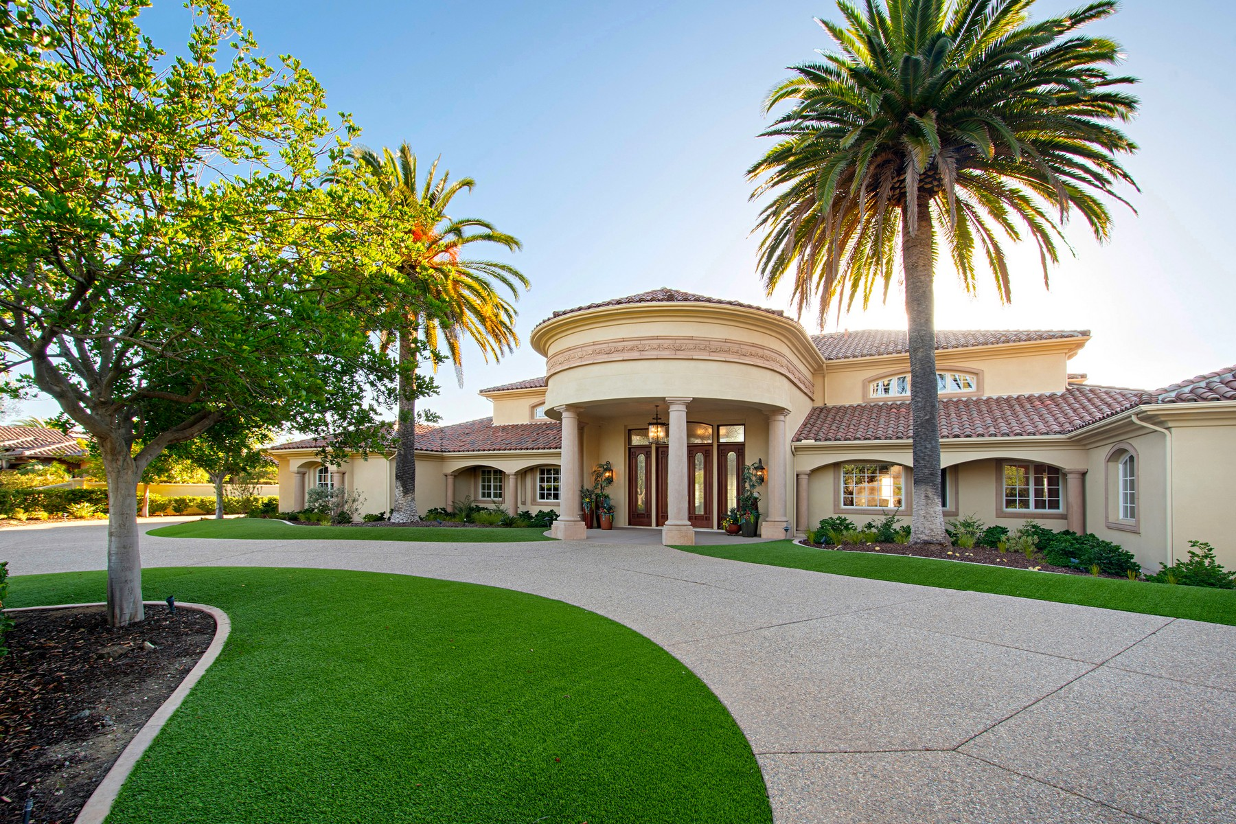 Single Family Home for Active at 18330 Old Coach Way 18330 Old Coach Way Poway, California 92064 United States