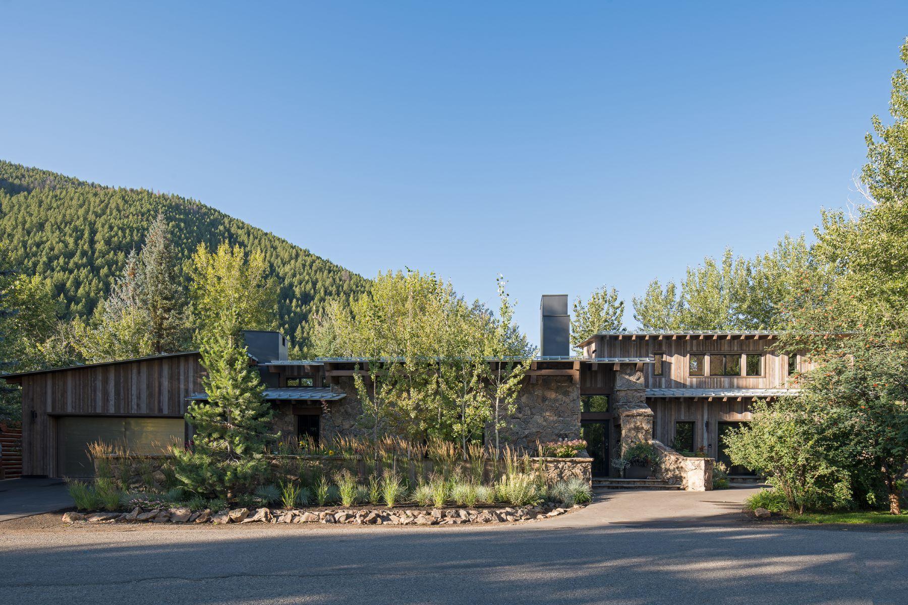 Single Family Homes للـ Sale في Mountain Contemporary 112 Irene Street, Ketchum, Idaho 83340 United States