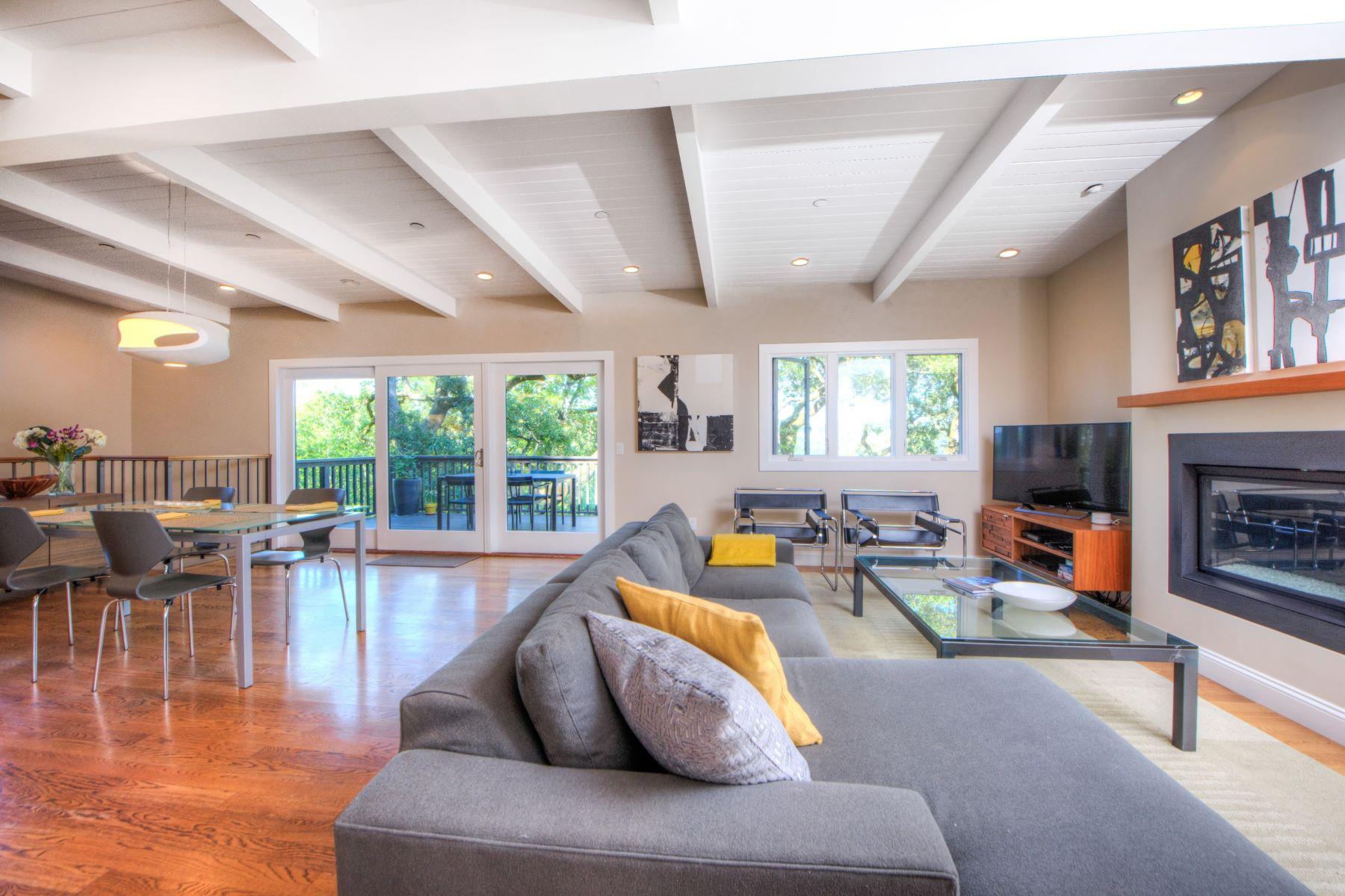 Maison unifamiliale pour l Vente à Style and Views in San Anselmo 312 Scenic Avenue San Anselmo, Californie 94960 États-Unis