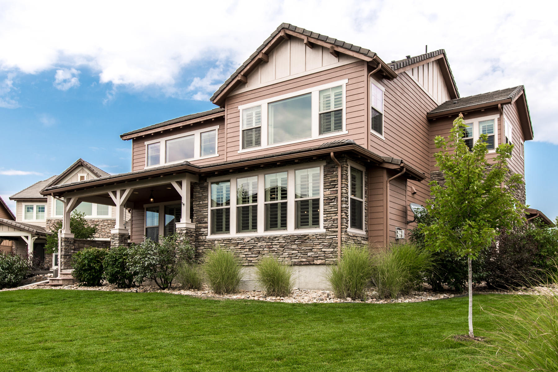 Additional photo for property listing at Don't miss the Meticulously maintain 2 story villa in Backcountry! 10683 Featherwalk Way Highlands Ranch, Colorado 80126 United States