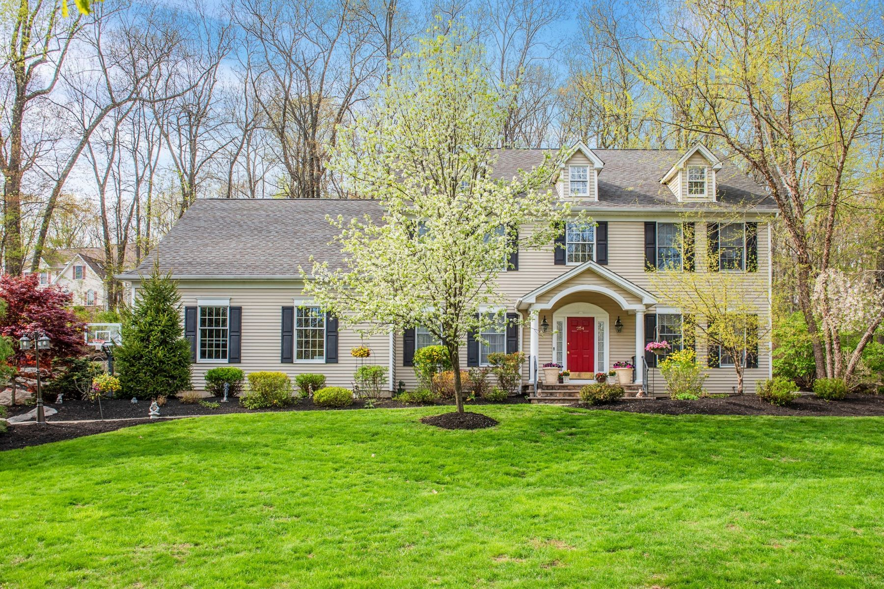 single family homes для того Продажа на Exceptional Home 254 Mission Road, Washington Township, Нью-Джерси 07840 Соединенные Штаты