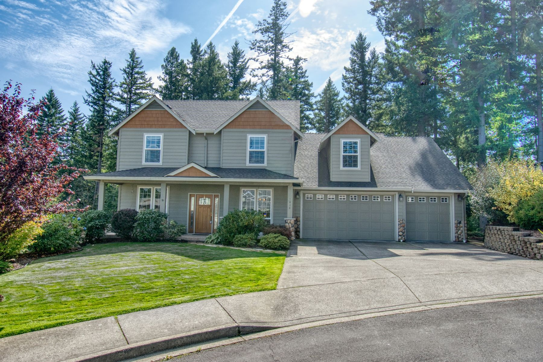 Single Family Homes for Sale at Light and Bright in Camas 1014 NW 20th Ave Camas, Washington 98607 United States