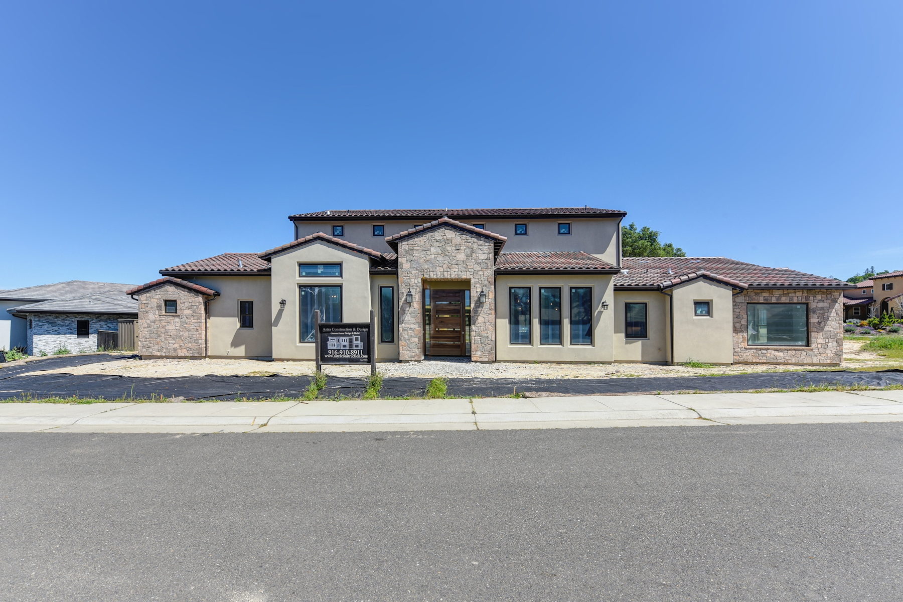 Single Family Home for Active at 8117 Woodland Grove Pl, Granite Bay, CA 95746 8117 Woodland Grove Pl Granite Bay, California 95746 United States