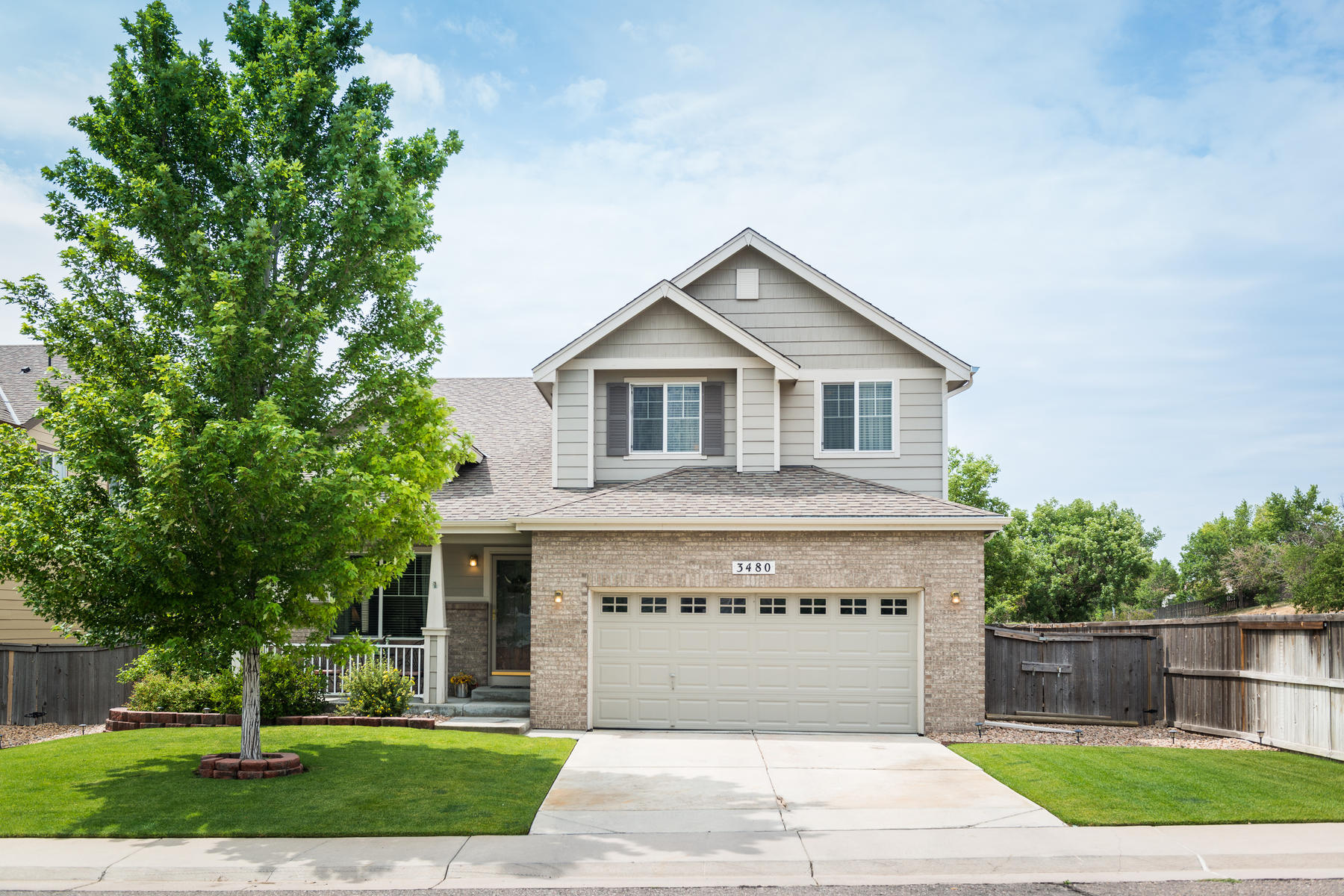 Casa para uma família para Venda às 3480 E 100th Ct Thornton, Colorado, 80229 Estados Unidos