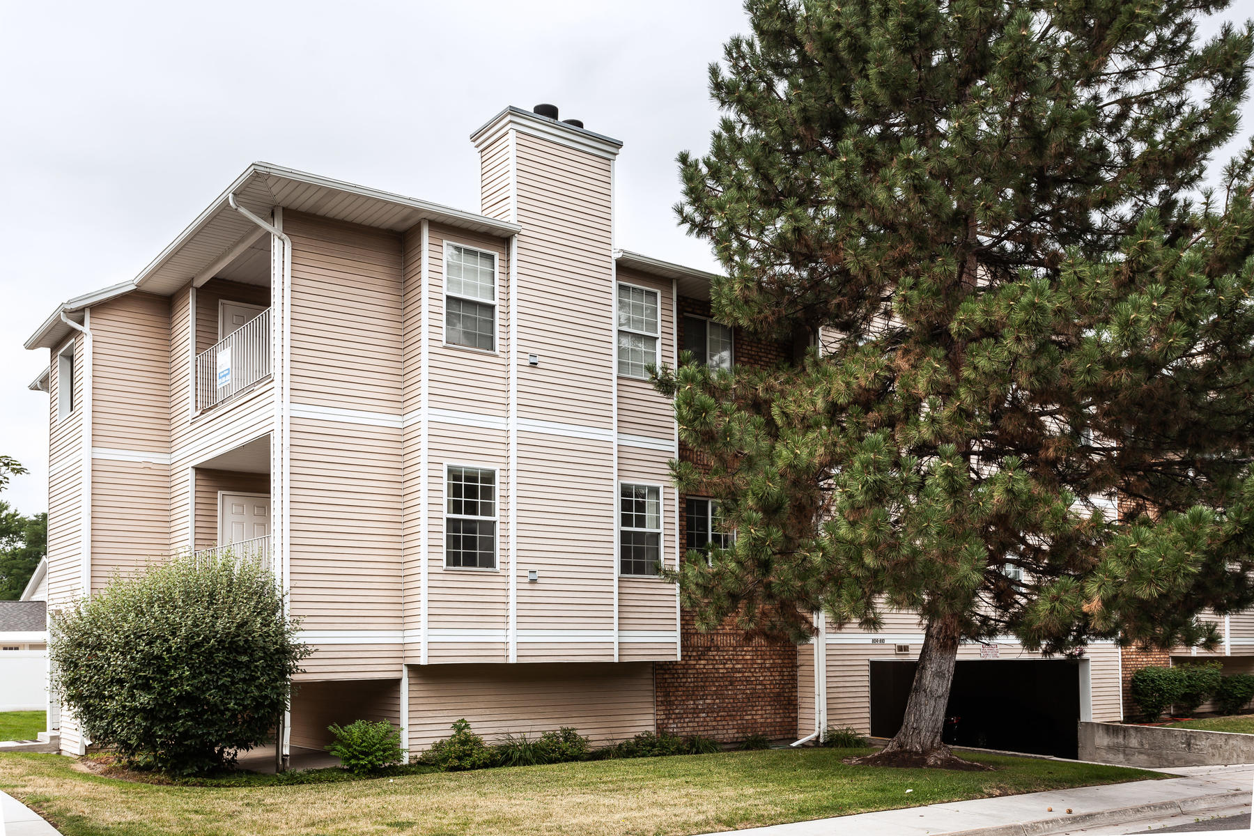 Condominiums for Active at Relax & Kick Back 806 E Gatewood Dr 3B Sandy, Utah 84094 United States