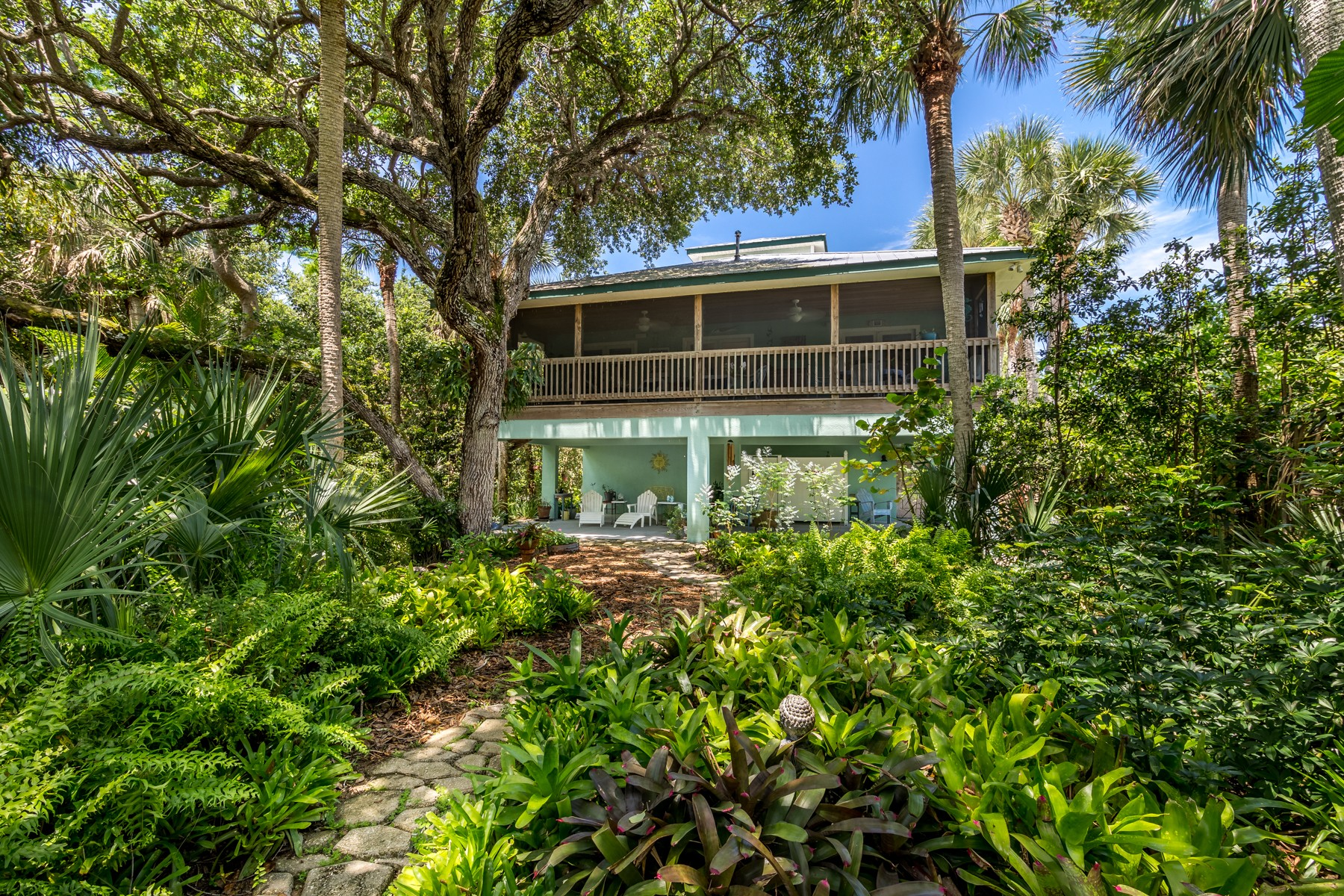 Single Family Home for Sale at Lee Family 126 Paradise Point Drive Melbourne, Florida 32951 United States